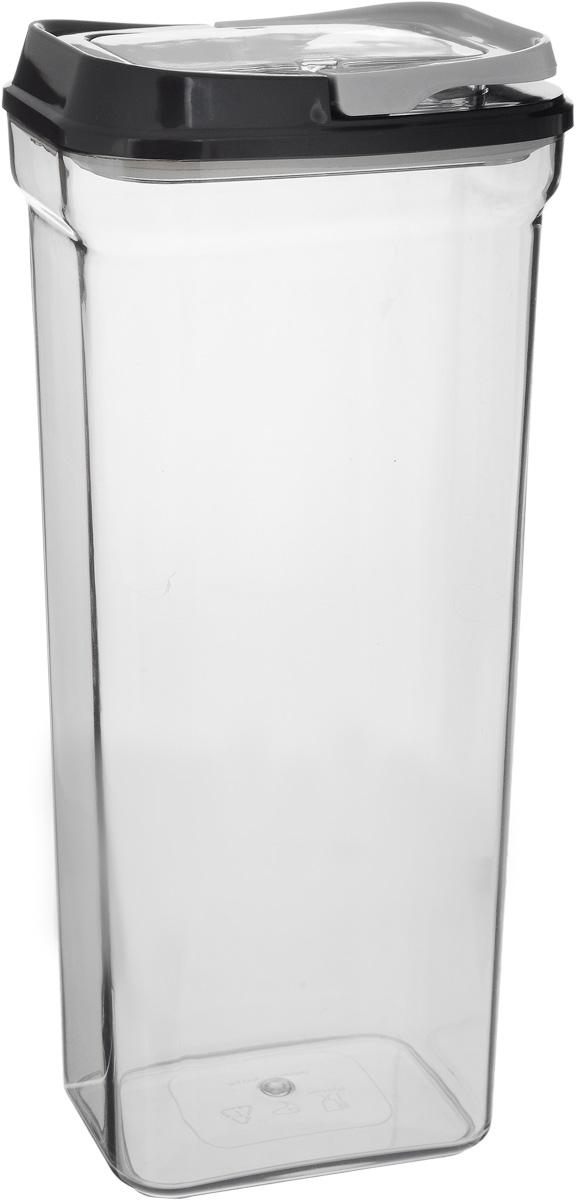 """Контейнер для сыпучих продуктов Nadoba """"Svatava""""  изготовлен из высококачественного пищевого  пластика. Изделие прозрачное, что позволяет  видеть содержимое, это очень удобно и практично.  Специальная крышка с силиконовым уплотнителем надежно закрывается,  предотвращая попадание влаги. Контейнер очень  вместителен, в нем можно хранить макаронные изделия, крупы, печенье, конфеты и другие  сыпучие продукты. Идеальный вариант для поддержания  порядка на кухне. Можно мыть в посудомоечной машине. Размер контейнера с учетом крышки: 13 х 10 х 31 см."""