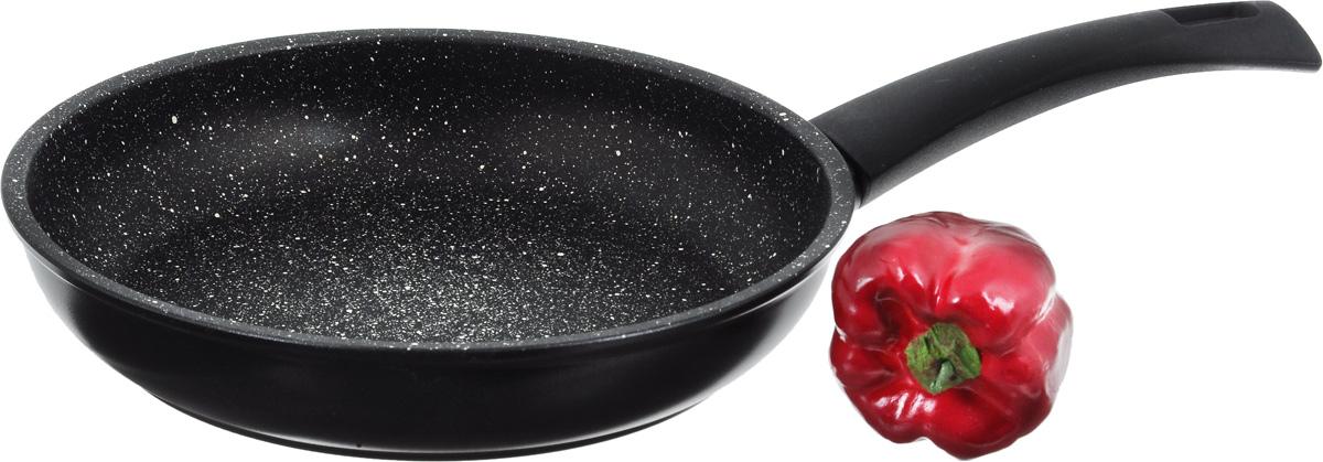 """Сковорода Illa """"Cook On Rock Induction"""" изготовлена из алюминия с антипригарным покрытием Whitford с эффектом гранита. Наружная поверхность имеет PTFE покрытие черного цвета. Изделие снабжено бакелитовой ручкой. Сковорода не содержит PFOA, поэтому экологически безопасна. Обеспечивает идеальное приготовление пищи без пригорания.  Подходит для всех видов плит, в том числе и индукционных.  Высота стенки: 5 см.  Длина ручки: 18 см."""
