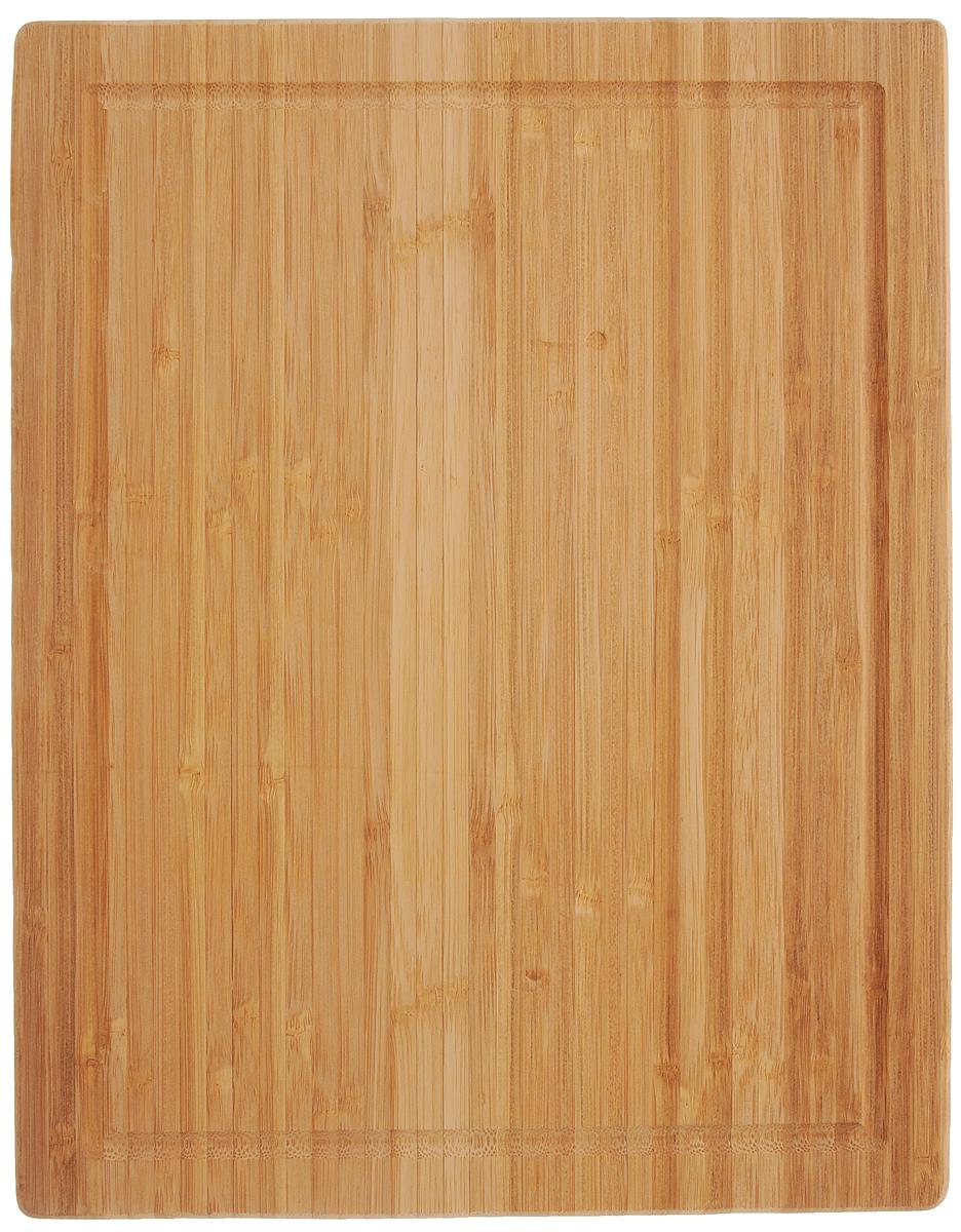 Доска разделочная Zeller, 38,5 х 30 см25247Многофункциональная разделочная доска Zeller изготовлена из высококачественного бамбука. Одна сторона изделия предназначена для нарезки хлеба и хлебобулочных изделий. А другая - для разделывания большого количества продуктов. Оснащена по краю канавкой, благодаря которой сок от продуктов не попадает при резке на столешницу.Функциональная и простая в использовании разделочная доска Zeller прекрасно впишется в интерьер любой кухни и прослужит вам долгие годы. Не рекомендуется мыть в посудомоечной машине.Размер доски: 38,5 х 30 х 3 см.