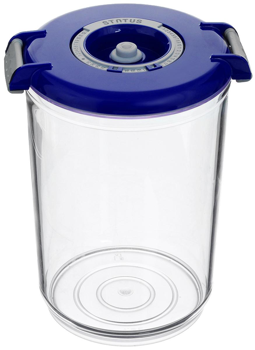 Контейнер вакуумный Status, с индикатором даты срока хранения, цвет: прозрачный, синий, 1,5 лVAC-RD-15 BlueВакуумный контейнер Status выполнен из хрустально-прозрачного прочного тритана. Благодаря вакууму, продукты не подвергаются внешнему воздействию, и срок хранения значительно увеличивается, сохраняют свои вкусовые качества и аромат, а запахи в холодильнике не перемешиваются. Допускается замораживание до -21°C, мойка контейнера в посудомоечной машине, разогрев в СВЧ (без крышки). Рекомендовано хранение следующих продуктов: макаронные изделия, крупа, мука, кофе в зёрнах, сухофрукты, супы, соусы. Контейнер имеет индикатор даты, который позволяет отмечать дату конца срока годности продуктов.Размер контейнера (с учетом крышки): 13 х 13 х 19,5 см.