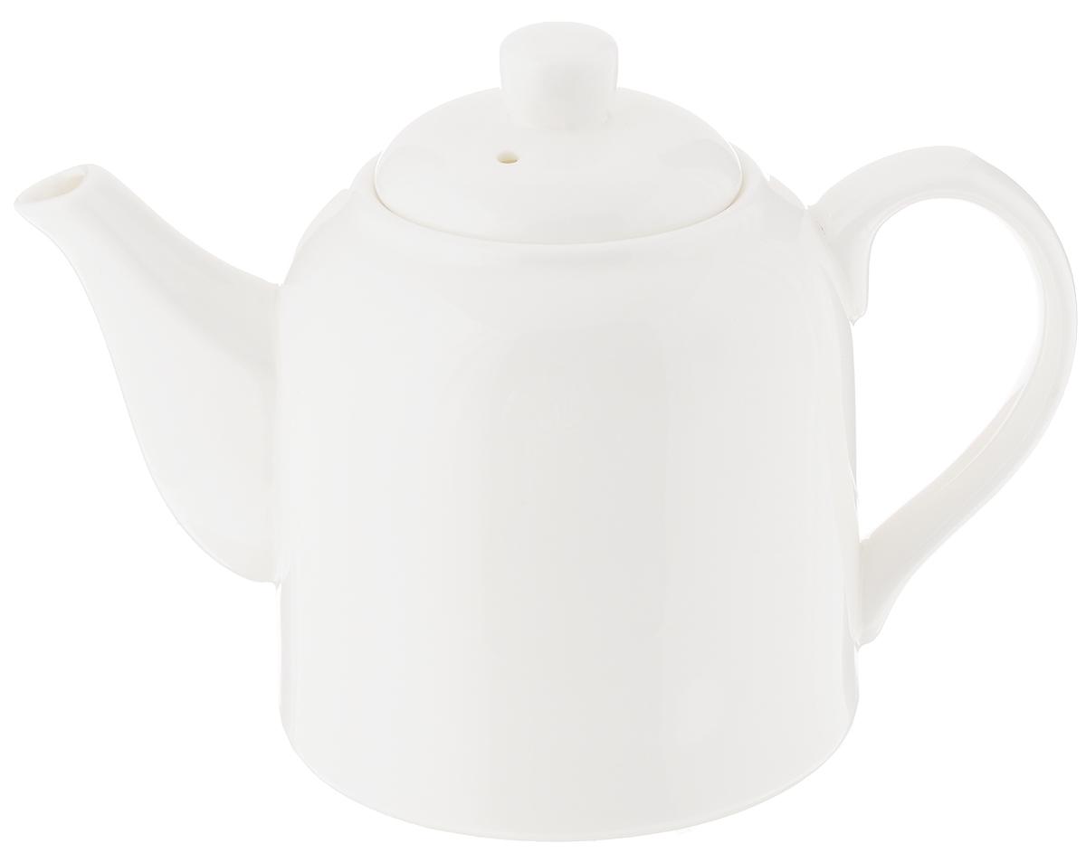 """Заварочный чайник """"Wilmax"""" изготовлен из высококачественного фарфора. Глазурованное покрытие обеспечивает легкую очистку. Изделие прекрасно подходит для заваривания вкусного и ароматного чая, а также травяных настоев. Ситечко в основании носика препятствует попаданию чаинок в чашку. Оригинальный дизайн сделает чайник настоящим украшением стола. Он удобен в использовании и понравится каждому.Можно мыть в посудомоечной машине и использовать в микроволновой печи. Диаметр чайника (по верхнему краю): 4,5 см. Высота чайника (без учета крышки): 9,5 см."""