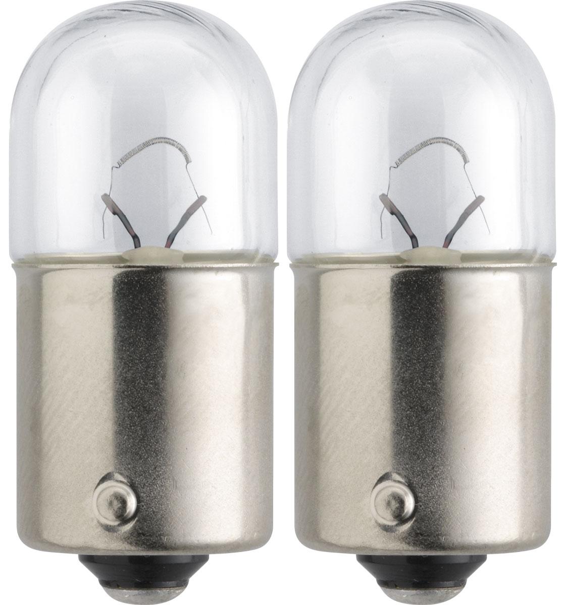 Лампа автомобильная галогенная Philips Standard, сигнальная, цоколь R10W (BA15s), 24V, 10W, 2шт13814B2 (бл.2)Автомобильная галогенная лампа Philips Standard произведена из запатентованного кварцевого стекла с УФ-фильтром Philips Quartz Glass. Кварцевое стекло Philips с УФ фильтром в отличие от обычного твердого стекла выдерживает гораздо большее давление смеси газов внутри колбы, что препятствует быстрому испарению вольфрама с нити накаливания. Кварцевое стекло выдерживает большой перепад температур, при попадании влаги на работающую лампу изделие не взрывается и продолжает работать. Автомобильная лампа Philips Standard с напряжением питания 24 В предназначена для автобусов и грузовиков, она создает максимальную безопасность и комфорт при вождении, а также отличается экономичностью, непревзойденным сроком службы и повышенной устойчивостью к вибрациям. Такие лампы являются отличным световым решением, соответствуют стандартам качества для оригинального оборудования и обеспечивают максимальную производительность и минимальное время простоя. Автомобильные галогенные лампы Philips удовлетворят все нужды автомобилистов: дальний свет, ближний свет, передние противотуманные фары, передние и боковые указатели поворота, задние указатели поворота, стоп-сигналы, фонари заднего хода, задние противотуманные фонари, освещение номерного знака, задние габаритные/стояночные фонари, освещение салона.