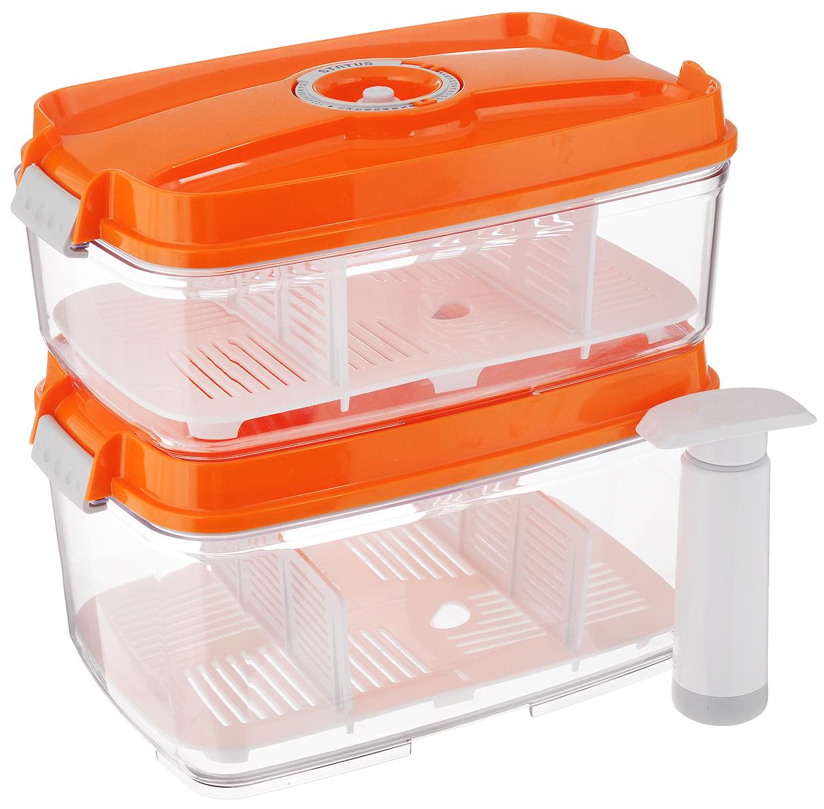 Набор вакуумных контейнеров Status, с индикатором даты срока хранения, цвет: прозрачный, оранжевый, 2 шт + ПОДАРОК: Вакуумный ручной насосVAC-REC-Bigger OrangeНабор вакуумных контейнеров Status выполнен из хрустально-прозрачного прочного тритана. Благодаря вакууму, продукты не подвергаются внешнему воздействию, и срок хранения значительно увеличивается, сохраняют свои вкусовые качества и аромат, а запахи в холодильнике не перемешиваются. Допускается замораживание до -21°C, мойка контейнеров в посудомоечной машине, разогрев в СВЧ (без крышки). Рекомендовано хранение следующих продуктов: макаронные изделия, крупа, мука, кофе в зёрнах, сухофрукты, супы, соусы. Каждый контейнер имеет индикатор даты, который позволяет отмечать дату конца срока годности продуктов. К каждому контейнеру прилагаются 2 разделителя и поддон. В комплекте также имеется вакуумный ручной насос, с помощью которого одним простым движением можно быстро выкачать воздух из контейнера.Объем первого контейнера: 3 л.Объем второго контейнера: 4,5 л.Размер двух контейнеров (по верхнему краю): 27 х 18,5 см.Высота первого контейнера (без учета крышки): 8,5 см.Высота второго контейнера (без учета крышки): 12,5 см.Высота первого контейнера (с учетом крышки): 11,5 см.Высота второго контейнера (с учетом крышки): 15,5 см.Размер поддонов: 25,5 х 16,5 см.Длина насоса (в сложенном виде): 14,2 см.Длина насоса (в разложенном виде): 22,7 см.