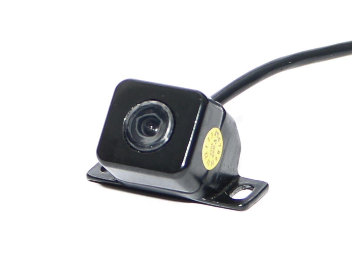 AutoExpert VC 216, Black автомобильная камера заднего вида4603726128094Современный ритм жизни диктует свои правила, и все больше людей обзаводятся автомобилями. Это приводит к тому, что машин в городах становится все больше, а из-за обилия машин многие люди испытывают трудности с парковкой.Камера заднего вида AutoExpert VC 216 позволяет уверенно чувствовать себя водителям, совершающим маневры при движении задним ходом. Это устройство экономит время при парковке, а главное нервы, особенно начинающим автомобилистам. С камерой заднего вида AutoExpert VC 216 не стоит бояться наехать на бордюр или столкнуться с другим автотранспортом.Камера заднего вида AutoExpert VC 214 - идеальное решение для практичных автолюбителей.Количество пикселей: 648 х 488Разрешение: 420 линийУгол обзора: 170 градусовСигнал/шум: > 45 дБВидеовыход: 1 В, 75 ОмРабочая температура: -20 / +70°СУровень защиты: IP66 (полная защита от пыли и воды)Парковочные линииИзображение с камеры зеркальноеВозможна установка в качестве камеры переднего обзора (отключение зеркального изображения)