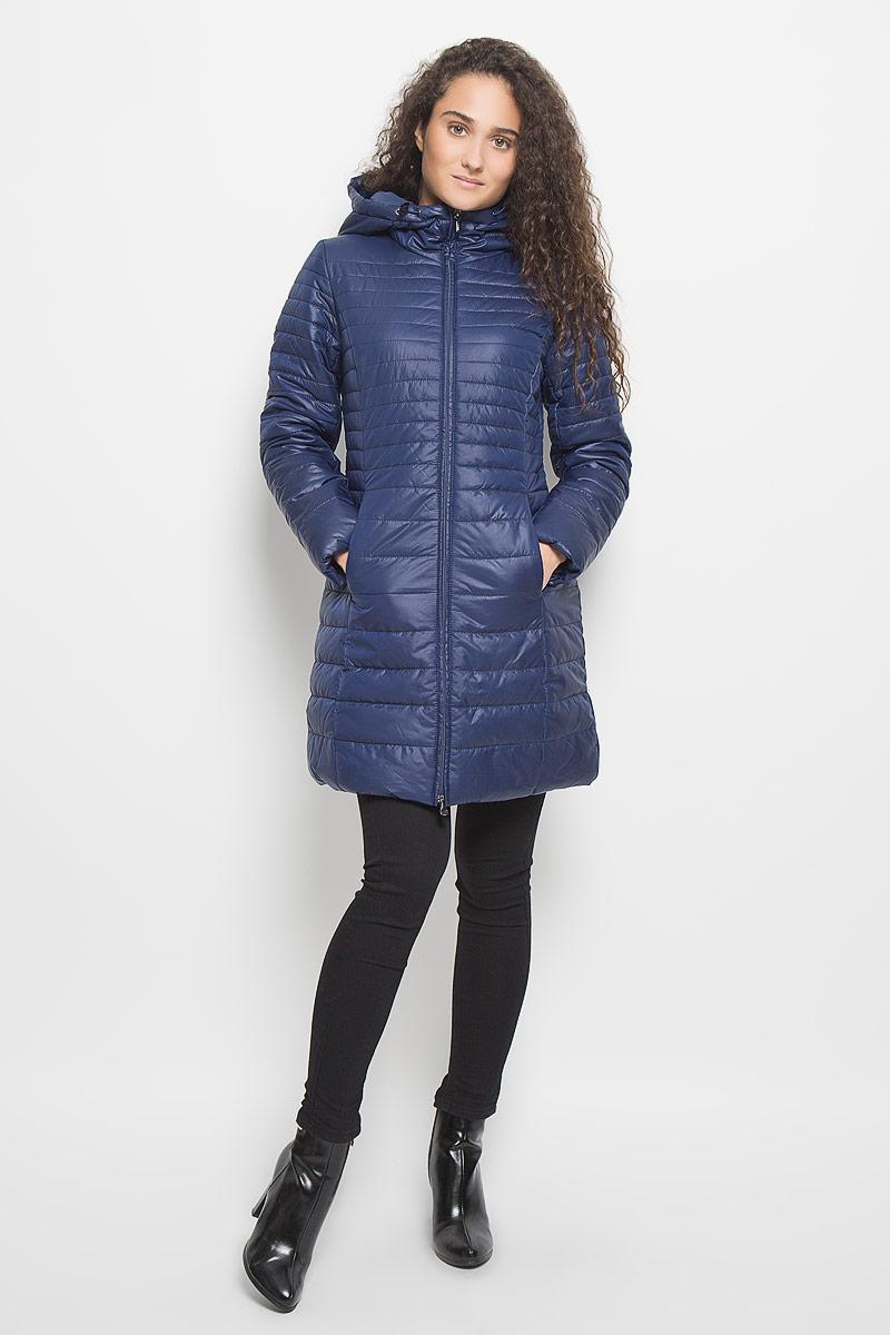 Куртка женская Baon, цвет: темно-синий. B036510. Размер M (46)B036510_Moonless NightСтильная утепленная женская куртка Baon согреет вас в прохладную погоду и позволит выделиться из толпы. Модель выполнена из 100% полиэстера с водоотталкивающей пропиткой и оформлена стежкой. Подкладка из полиэстера с утеплителем из высокотехнологичного синтепона Wellon защитит в любую непогоду от ветра и холода. Модель с длинными рукавами и воротником-капюшоном застегивается на застежку-молнию. Капюшон дополнен эластичным шнурком со стопперами. Спереди куртка дополнена двумя прорезными карманами с застежками-молниями. Эта модная куртка послужит отличным дополнением к вашему гардеробу.