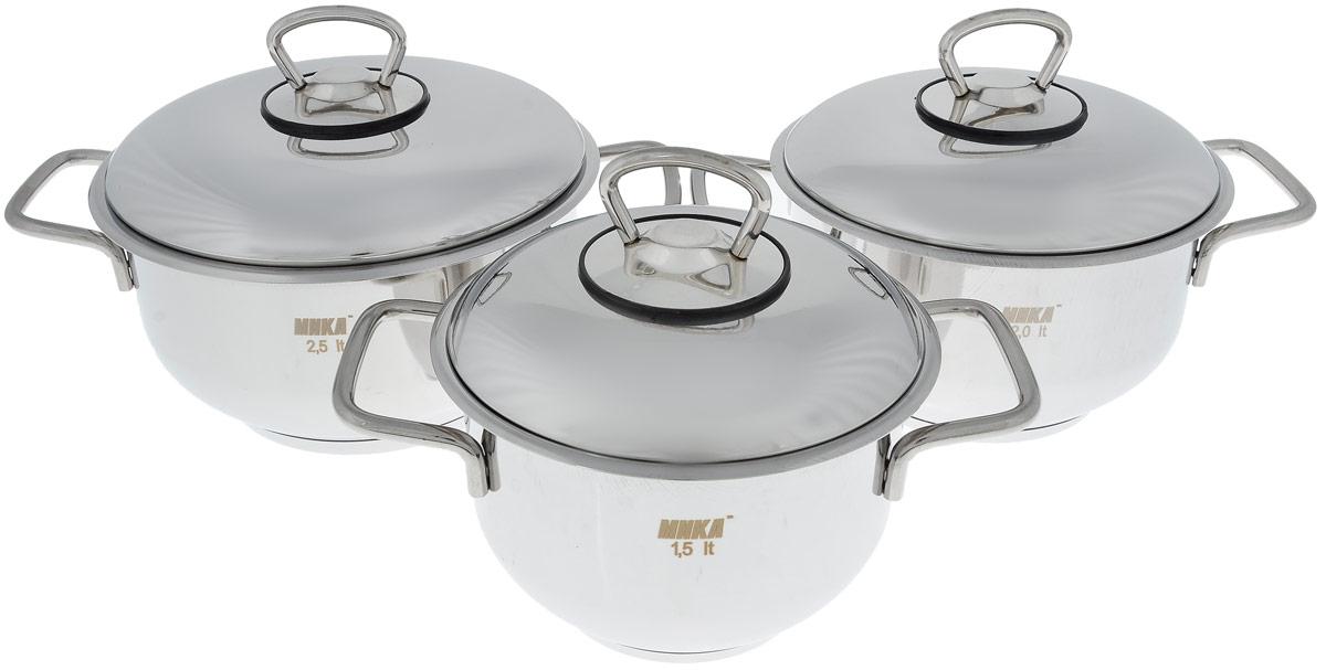 """Набор посуды """"Катюша"""" состоит из трех кастрюль с крышками. Посуда изготовлена из высококачественной нержавеющей стали, что гарантирует безупречный внешний вид посуды, практичность и долговечность. Трехслойное теплораспределяющее дно позволяет равномерно распределять и значительно дольше сохранять тепло по стенкам и дну посуды, что предотвращает пригорание пищи и обеспечивает более быстрое приготовление блюд. Крышки выполнены также из нержавеющей стали и оснащены ободом. Эргономичный дизайн и функциональность набора """"Катюша"""" позволят вам наслаждаться процессом приготовления любимых блюд. Изделия подходят для использования на всех типах плит, включая индукционные. Можно мыть в посудомоечной машине.Диаметр кастрюль: 14 см; 16 см; 18 см.Высота кастрюль: 10 см.Ширина кастрюль (с учетом ручек): 22 см; 24 см; 26 см.Объем кастрюль: 1,5 л; 2 л; 2,5 л."""
