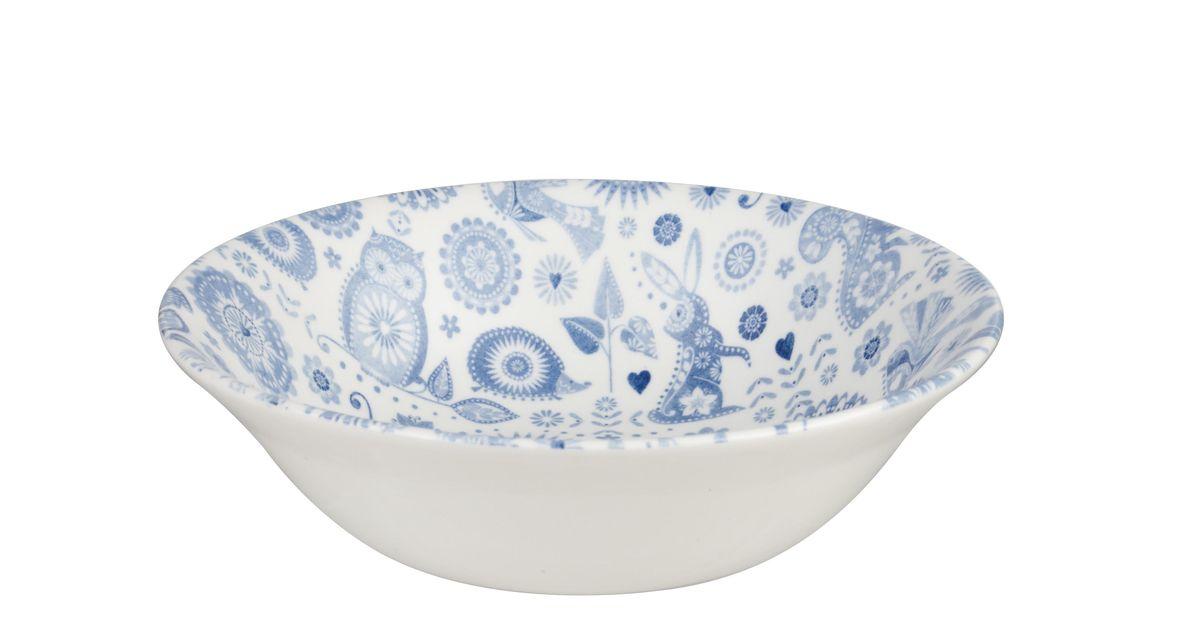 """Тарелка Churchill """"Пензанс"""" выполнена из высококачественного фаянса и украшена оригинальным узором. Такая тарелка отлично подойдет для подачи каш, супов и других жидких блюд.  Коллекция Penzance - классическое сочетание синего и белого с народным дизайном.  Можно мыть в посудомоечной машине. Можно использовать в микроволновой печи."""