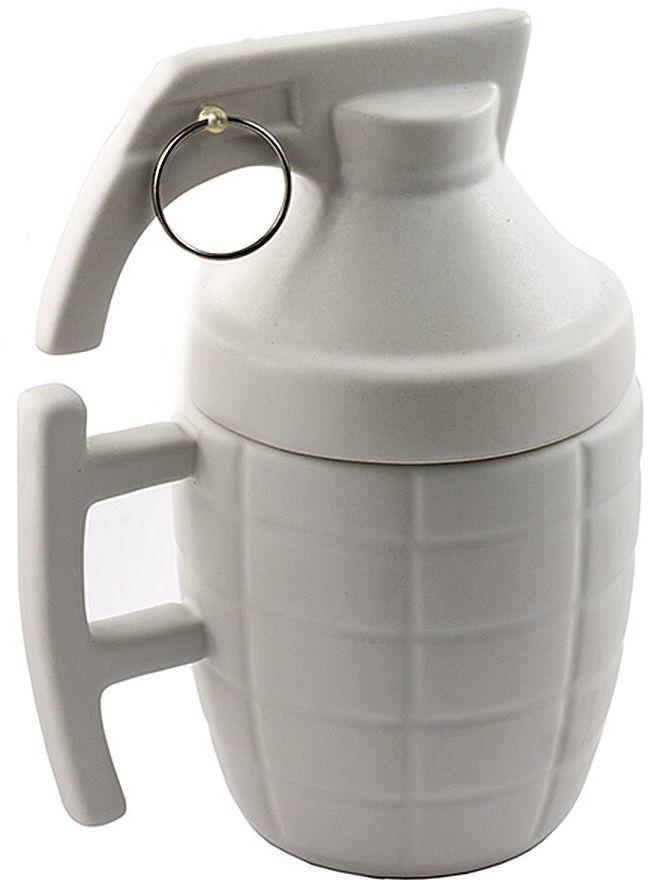 Кружка Эврика Граната, цвет: белый96773Кружка Эврика Граната выполнена из белой качественной керамики в виде гранаты. Удобная кружка с крышкой поможет заварить чай по всем правилам, предохраняя ваш напиток от остывания и попадания пыли. Матовая керамика приятна на ощупь, не скользит в руке и радует благородной сдержанностью стиля. Кроме того, покрытие позволяет при необходимости легко произвести нанесение логотипа.Кружка сочетает в себе оригинальный дизайн и функциональность.