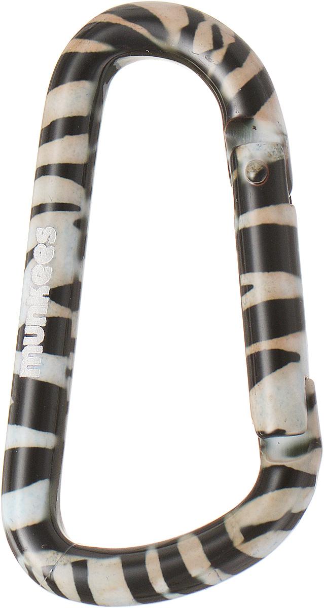 Карабин Munkees Зебра, толщина 6 мм, длина 60 мм3315Карабин Munkees Зебра предназначен не для скалолазания и альпинизма. Он рассчитан на существенно малые веса. Но он позволит упростить быт любого человека во всех случаях жизни. От элементарного подвешивания связки ключей на пояс, шлевку брюк/штанов, в рюкзак на место для крепления ключей или за любой кант кармана, до размещения подручных предметов, легкого снаряжения, одежды и аксессуаров (особенно перчаток и кепок) на рюкзак, сумку и тот же пояс. Выполнен карабин из прочного алюминия.Толщина карабина: 6 мм.Длина карабина: 6 см.