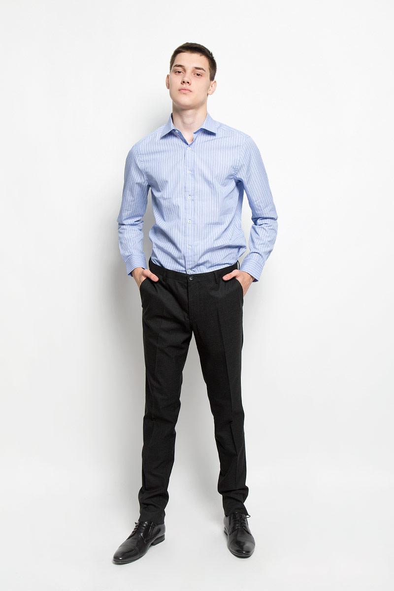 Рубашка мужская Mexx, цвет: голубой. MX3020063_MN_SHG_002. Размер L (52)MX3020063_MN_SHG_002Мужская рубашка Mexx, изготовленная из натурального хлопка, прекрасно подойдет для повседневной носки. Изделие очень мягкое и приятное на ощупь, не сковывает движения и хорошо пропускает воздух. Рубашка с отложным воротником и длинными рукавами застегивается на пуговицы по всей длине. Манжеты на рукавах также имеют застежки-пуговицы. Изделие оформлено принтом в полоску. Такая модель займет достойное место в вашем гардеробе!