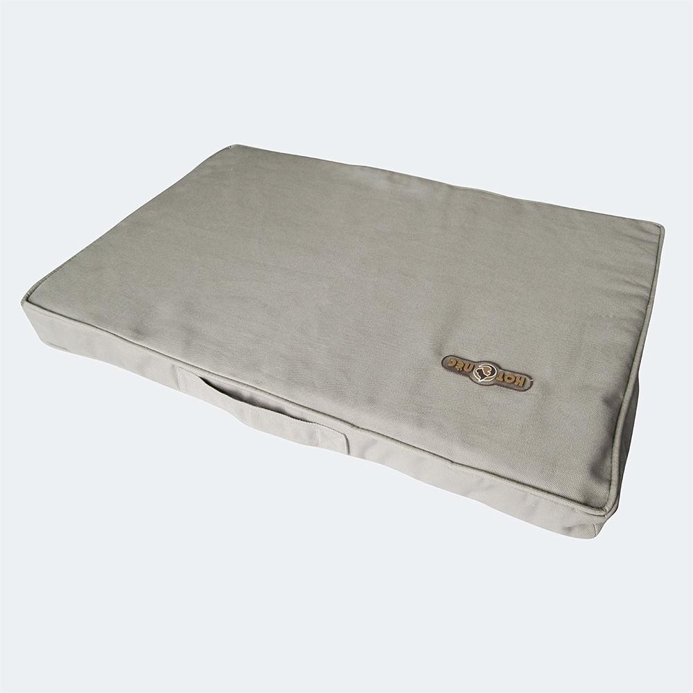 Матрас для животных Котопес, цвет: серый, 105 х 65 х 6 см. Размер LCD113Матрас Котопес изготовлен из модных, экологичных и прочных материалов высшего качества, которые великолепно впишутся в ваш интерьер. Используемая ткань верха - канвас, наполнитель - периотек. Матрас удобен в уходе, имеет съемный чехол на молнии, что позволяет без проблем его стирать.Матрас Котопес имеет оптимальную мягкость, поэтому любая собачка или кошечка почувствует себя в таком спальном месте уютно и комфортно.