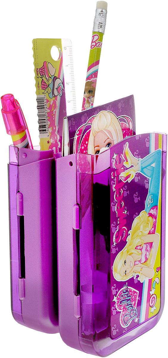 Набор канцелярский Barbie, 7 предметовBRCB-US1-75409-HКанцелярский набор Barbie в подарочном пакете с кольцом станет замечательным подарком для любой школьницы. Набор включает в себя карандаш ч/г с ластиком, пенал пластиковый складной, линейка прозрачная 15 см, ручка автоматическая, точилка малая в виде сердечка, блокнот клеевой, ластик прямоугольный (обернутый бумагой). Обложка блокнота выполнена из плотного картона и оформлена изображением Барби.Набор канцелярских принадлежностей - стильные и незаменимые аксессуары на каждый день!
