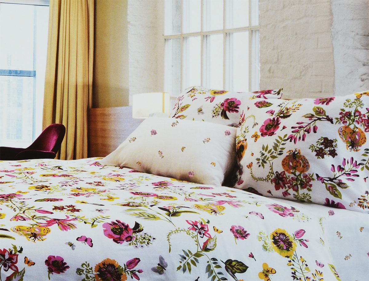 Комплект белья Tiffanys Secret Ожидание лета, 2-спальный, наволочки 70х70, цвет: белый, розовый, зеленый2040816114Комплект постельного белья Tiffanys Secret Ожидание лета является экологически безопасным для всей семьи, так как выполнен из сатина (100% хлопок). Комплект состоит из пододеяльника, простыни и двух наволочек. Предметы комплекта оформлены оригинальным рисунком.Благодаря такому комплекту постельного белья вы сможете создать атмосферу уюта и комфорта в вашей спальне.Сатин - это ткань, навсегда покорившая сердца человечества. Ценившие роскошь персы называли ее атлас, а искушенные в прекрасном французы - сатин. Секрет высококачественного сатина в безупречности всего технологического процесса. Эту благородную ткань делают только из отборной натуральной пряжи, которую получают из самого лучшего тонковолокнистого хлопка. Благодаря использованию самой тонкой хлопковой нити получается необычайно мягкое и нежное полотно. Сатиновое постельное белье превращает жаркие летние ночи в прохладные и освежающие, а холодные зимние - в теплые и согревающие. Сатин очень приятен на ощупь, постельное белье из него долговечно, выдерживает более 300 стирок, и лишь спустя долгое время материал начинает немного тускнеть. Оцените все достоинства постельного белья из сатина, выбирая самое лучшее для себя!