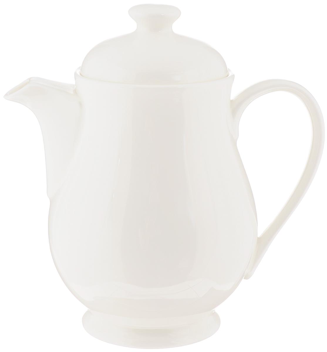 """Заварочный чайник """"Wilmax"""" изготовлен из высококачественного фарфора. Глазурованное покрытие обеспечивает легкую очистку. Изделие прекрасно подходит для заваривания вкусного и ароматного чая, а также травяных настоев. Отверстия в основании носика препятствует попаданию чаинок в чашку. Оригинальный дизайн сделает чайник настоящим украшением стола. Он удобен в использовании и понравится каждому.Можно мыть в посудомоечной машине и использовать в микроволновой печи. Диаметр чайника (по верхнему краю): 7,5 см. Высота чайника (без учета крышки): 13 см. Высота чайника (с учетом крышки): 16 см."""