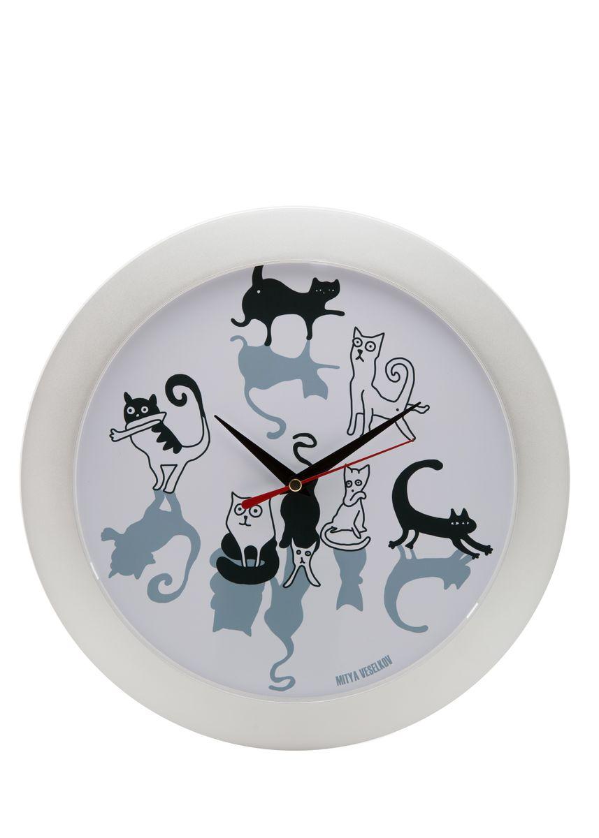 Часы настенные Mitya Veselkov Кошки и коты, цвет: белый. MVC.NAST-019MVC.NAST-019Настенные часы Mitya Veselkov Кошки и коты из серии MVC станут отличным украшением вашегодома, офиса или детской комнаты. Часы имеют три стрелки - часовую, минутную и секундную.Часы изготовлены из качественного легкого пластика. Циферблат часов также закрытпластиком. В случае падения часов со стены, данный материал гораздо безопаснее увесистыхстекла и стали. На задней панели часы снабжены удобным отверстием для подвески на стену. Диаметр часов: 30 см. В часах установлен кварцевый механизм.