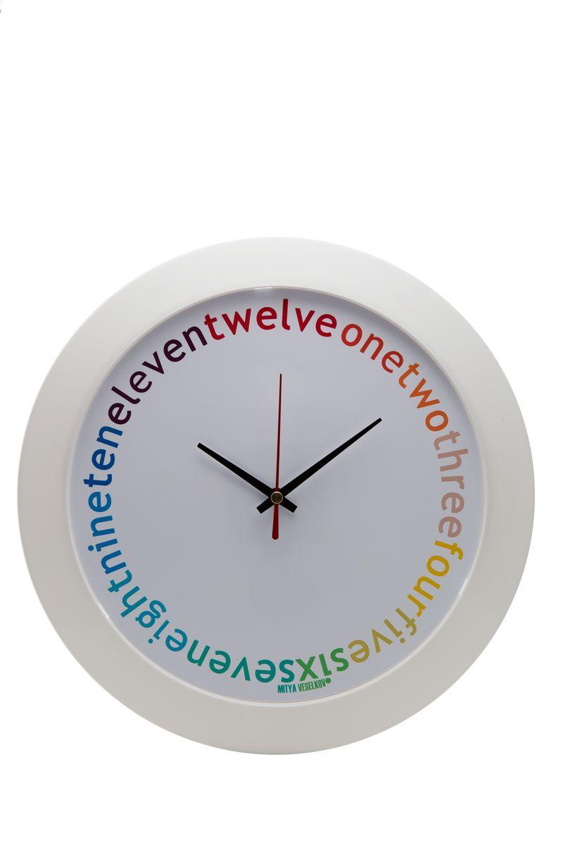Часы настенные Mitya Veselkov Eleven-twelve, цвет: белый. MVC.NAST-043MVC.NAST-043Настенные часы Mitya Veselkov Eleven-twelve из серии MVC станут отличным украшением вашегодома, офиса или детской комнаты. Часы имеют три стрелки - часовую, минутную и секундную.Часы изготовлены из качественного легкого пластика. Циферблат часов также закрытпластиком. В случае падения часов со стены, данный материал гораздо безопаснее увесистыхстекла и стали. На задней панели часы снабжены удобным отверстием для подвески на стену. Диаметр часов: 30 см. В часах установлен кварцевый механизм.