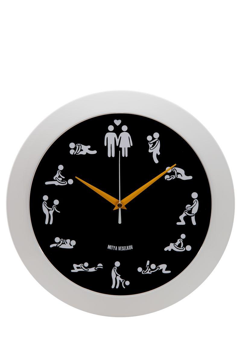 Часы настенные Mitya Veselkov Камасутра на черном, цвет: белый, черный. MVC.NAST-045 часы настенные mitya veselkov пионы цвет белый mvc nast 009