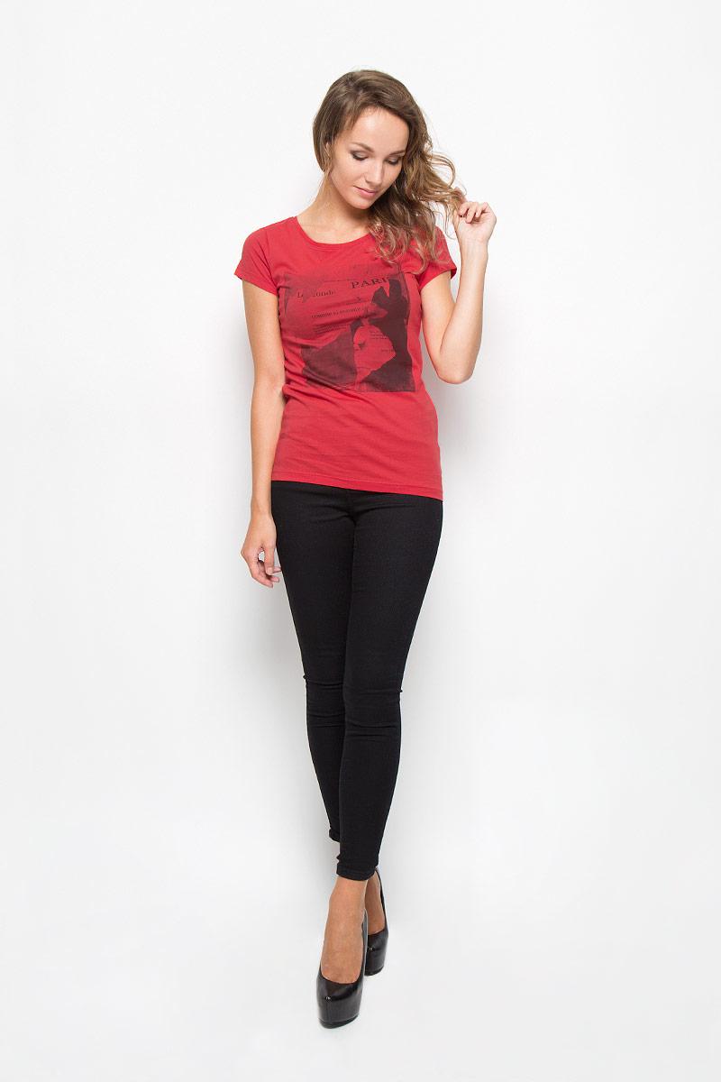 Футболка женская Tom Tailor Denim, цвет: красный. 1035523.00.71_4489. Размер XS (42)1035523.00.71_4489Стильная женская футболка Tom Tailor Denim, выполненная из высококачественного мягкого хлопка, великолепно тянется, обладает высокой теплопроводностью, воздухопроницаемостью и гигроскопичностью, позволяет коже дышать.Классическая модель с короткими рукавами и круглым вырезом горловины - идеальный вариант для создания образа в стиле Casual. Футболка оформлена оригинальным принтом с изображением девушки и различными надписями.Такая модель будет дарить вам комфорт в течение всего дня и послужит замечательным дополнением к вашему гардеробу.