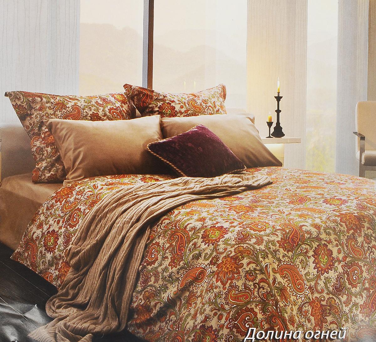 Комплект белья Tiffanys Secret Долина огней, евро, наволочки 70х70, цвет: бежевый, оранжевый, белый2040816134Комплект постельного белья Tiffanys Secret Долина огней является экологически безопасным для всей семьи, так как выполнен из сатина (100% хлопок). Комплект состоит из пододеяльника, простыни и двух наволочек. Предметы комплекта оформлены оригинальным рисунком.Благодаря такому комплекту постельного белья вы сможете создать атмосферу уюта и комфорта в вашей спальне.Сатин - это ткань, навсегда покорившая сердца человечества. Ценившие роскошь персы называли ее атлас, а искушенные в прекрасном французы - сатин. Секрет высококачественного сатина в безупречности всего технологического процесса. Эту благородную ткань делают только из отборной натуральной пряжи, которую получают из самого лучшего тонковолокнистого хлопка. Благодаря использованию самой тонкой хлопковой нити получается необычайно мягкое и нежное полотно. Сатиновое постельное белье превращает жаркие летние ночи в прохладные и освежающие, а холодные зимние - в теплые и согревающие. Сатин очень приятен на ощупь, постельное белье из него долговечно, выдерживает более 300 стирок, и лишь спустя долгое время материал начинает немного тускнеть. Оцените все достоинства постельного белья из сатина, выбирая самое лучшее для себя!