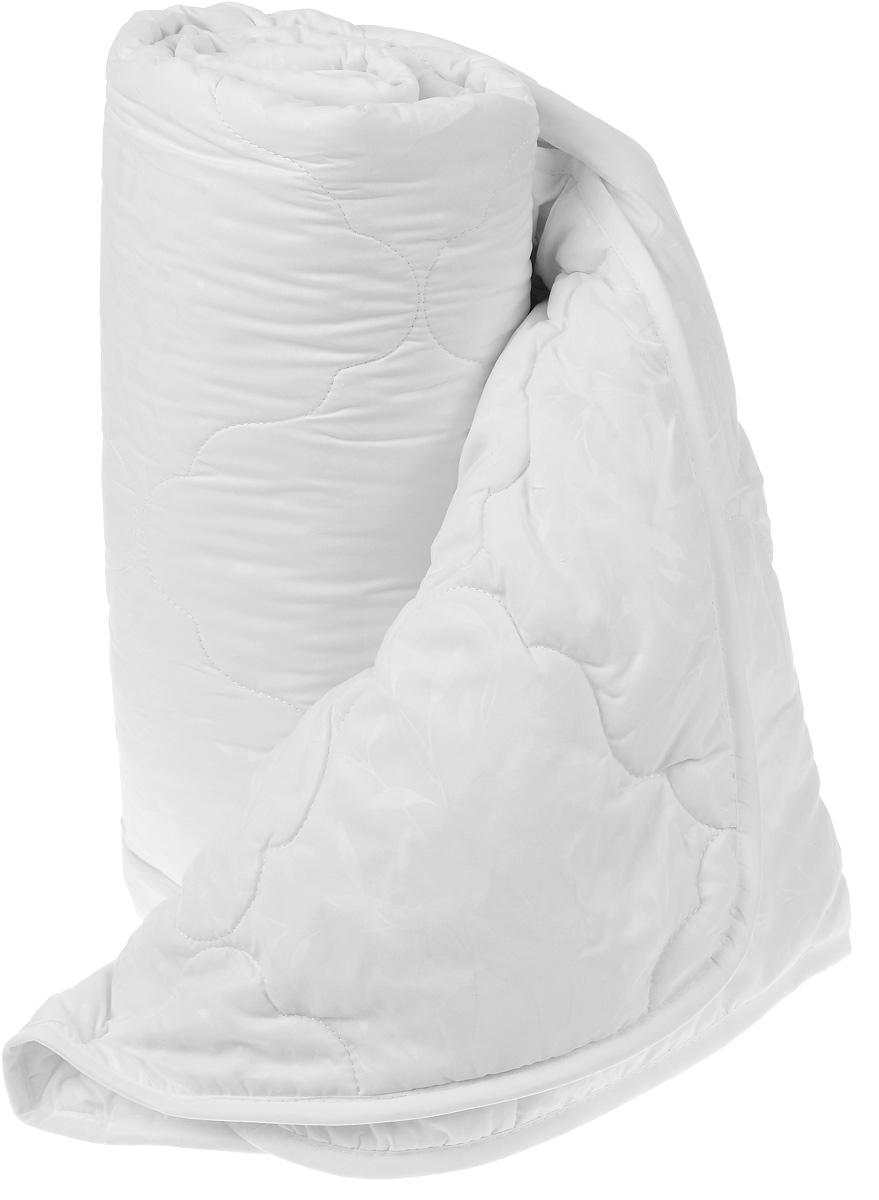 Одеяло Sova & Javoronok, наполнитель: эвкалипт, полиэфирное волокно, 140 х 205 см5030116690Одеяло Sova & Javoronok подарит вам спокойный и комфортный сон. Чехол изделия выполнен из микрофибры (100% полиэстер), оформлен стежкой и надежно удерживает наполнитель внутри. Наполнитель одеяла изготовлен из 10% эвкалипта и 90% полиэфирного волокна. Эвкалиптовое волокно - это уникальный по своим свойствам материал. Он обеспечивает хорошую терморегуляцию, обладает воздухонепроницаемостью и гигроскопичностью, он ультрамягкий, натуральный и долговечный. Изделия с эвкалиптовым наполнителем очень мягкие, дарят свежесть, снимают усталость, восстанавливают энергетический баланс человека. Кроме того, эвкалиптовое волокно не создает благоприятной среды для развития патогенной микрофлоры, поэтому в нем не размножаются микробы и бактерии. Это свойство хорошо влияет на здоровье и самочувствие людей. В состав наполнителя добавлено полиэфирное волокно, которое не впитывает посторонних запахов и легко стирается. Рекомендации по уходу: - Стирка запрещена. - Не отбеливать, не использовать хлоросодержащие моющие средства и стиральные порошки с отбеливателями.- Не выжимать в стиральной машине.