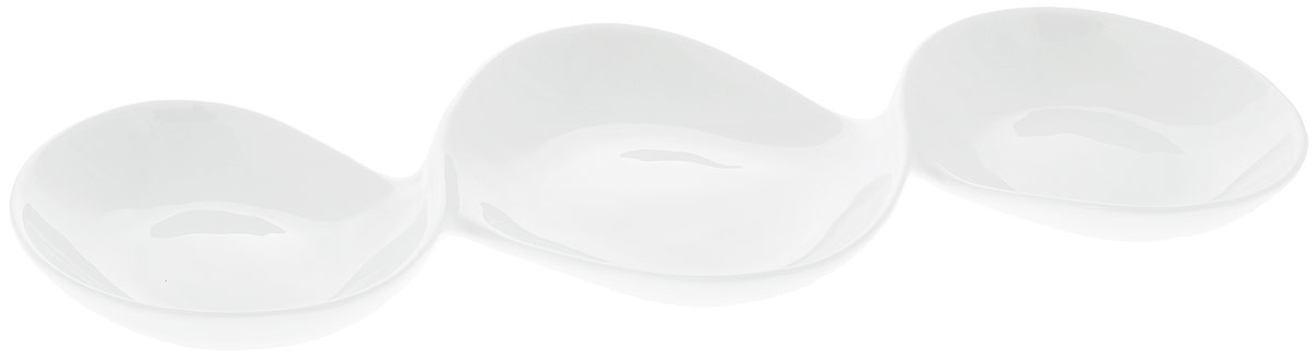 Менажница Wilmax, 3 секции, 37 х 17 смWL-992416 / AМенажница Wilmax изготовлена из высококачественного фарфора с глазурованным покрытием. Материал легкий, тонкий, свет без труда проникает сквозь изделие. Посуда имеет роскошную белизну, гладкость и блеск достигаются за счет особой рецептуры глазури.Изделие обладает низкой водопоглощаемостью, высокой термостойкостью и ударопрочностью, а также экологичностью. Посуда долговечна и рассчитана на постоянное интенсивное использование. Гладкая непористая поверхность исключает проникновение бактерий, изделие не будет впитывать посторонние запахи и сохранит первоначальный цвет.Менажница прекрасно подойдет для подачи различных закусок, нарезок, сладостей, фруктов. Она оснащена 3 секциями для подачи сразу нескольких видов закусок.Изделие украсит ваш праздничный или обеденный стол, а оригинальный дизайн придется по вкусу и ценителям классики, и тем, кто предпочитает утонченность и изысканность. Можно мыть в посудомоечной машине и использовать в микроволновой печи.Размер центральной секции: 17 х 13 см.