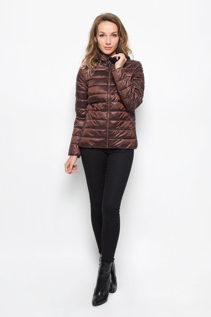 Куртка женская Sela, цвет: коричневый. Cp-126/676-6312. Размер M (46)Cp-126/676-6312Удобная женская куртка Sela согреет вас в прохладную погоду и позволит выделиться из толпы. Модель с длинными рукавами и несъемным капюшоном выполнена из прочного полиэстера с добавлением нейлона, застегивается на молнию спереди. Объем капюшона регулируется при помощи шнурка-кулиски со стопперами. Изделие дополнено двумя втачными карманами на молниях и внутренними трикотажными манжетами. Плотный наполнитель из синтепона и подкладка из полиэстера надежно сохранят тепло, благодаря чему такая куртка защитит вас от ветра и холода. Эта модная и в то же время комфортная куртка - отличный вариант для прогулок, она подчеркнет ваш изысканный вкус и поможет создать неповторимый образ.