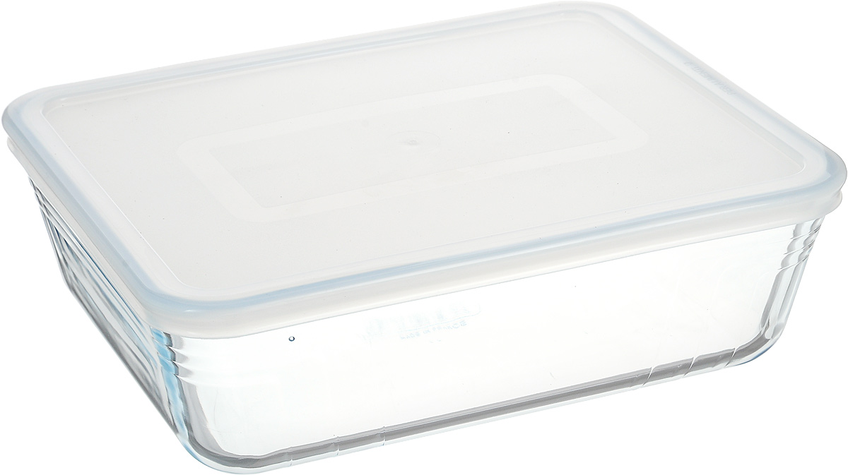 """Форма для запекания Pyrex """"Cook & Store"""" изготовлена из закаленного  боросиликатного стекла, что отвечает строгим европейским нормам  безопасности EN 1183. Такое стекло обладает повышенной ударопрочностью,  жаропрочностью (от -40°С до +300°С) и выдерживает резкий перепад температур  в 220°С. Форма также устойчива к образованию пятен и царапин, не впитывает  посторонние запахи. Изделие экологично, поэтому безопасно для использования.   Форма прямоугольная, удобна для запекания мяса, курицы, овощей. Снабжена  пластиковой, плотно закрывающейся крышкой.  Подходит для духовки, микроволновой печи, можно мыть в посудомоечной  машине, ставить в холодильник и морозильную камеру. Крышка не предназначена  для использования в духовке."""