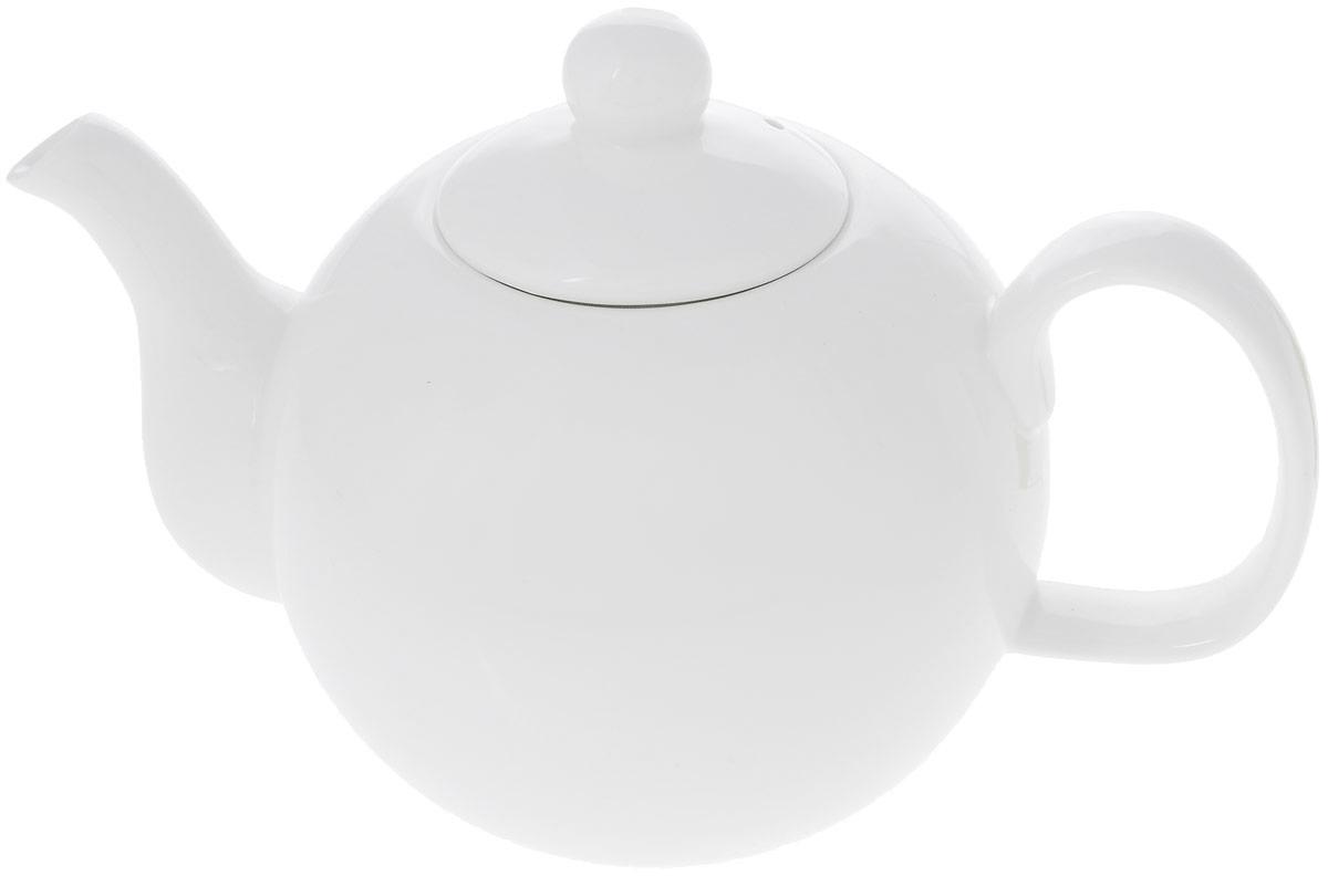 """Заварочный чайник """"Wilmax"""" изготовлен из высококачественного фарфора. Глазурованное покрытие обеспечивает легкую очистку. Изделие прекрасно подходит для заваривания вкусного и ароматного чая, а также травяных настоев. Отверстия в основании носика препятствует попаданию чаинок в чашку. Оригинальный дизайн сделает чайник настоящим украшением стола. Он удобен в использовании и понравится каждому.Можно мыть в посудомоечной машине и использовать в микроволновой печи. Диаметр чайника (по верхнему краю): 6 см. Высота чайника (без учета крышки): 10 см. Высота чайника (с учетом крышки): 13 см."""