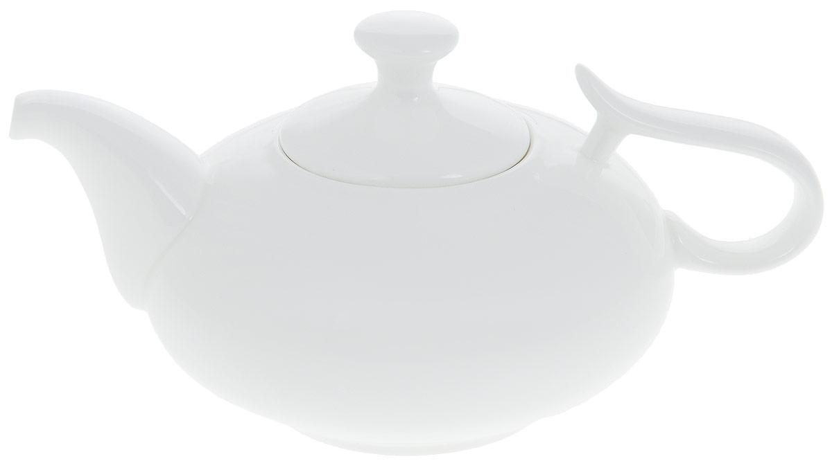 """Заварочный чайник """"Wilmax"""" изготовлен из высококачественного фарфора. Глазурованное покрытие обеспечивает легкую очистку. Изделие прекрасно подходит для заваривания вкусного и ароматного чая, а также травяных настоев. Отверстия в основании носика препятствует попаданию чаинок в чашку. Оригинальный дизайн сделает чайник настоящим украшением стола. Он удобен в использовании и понравится каждому. Можно мыть в посудомоечной машине и использовать в микроволновой печи.  Диаметр чайника (по верхнему краю): 7 см.  Ширина чайника: 14 см.  Высота чайника (без учета крышки): 7,5 см.  Высота чайника (с учетом крышки): 11 см."""
