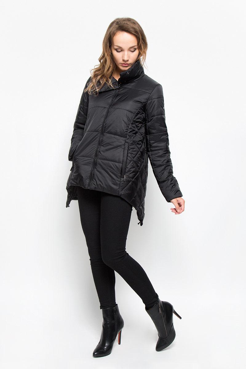 Куртка женская Baon, цвет: черный. B036522. Размер S (44)B036522_BLACKУдобная стеганая женская куртка Baon согреет вас в прохладную погоду и позволит выделиться из толпы. Модель свободного кроя с длинными рукавами и воротником-стойкой выполнена из прочного полиэстера с синтепоновым утеплителем и застегивается на молнию и кнопки сверху. Куртка дополнена двумя втачными карманами на застежках-молниях. Спинка модели удлинена и дополнена затягивающимся шнурком со стоппером. Эта модная и в то же время комфортная куртка - отличный вариант для прогулок, она подчеркнет ваш изысканный вкус и поможет создать неповторимый образ.