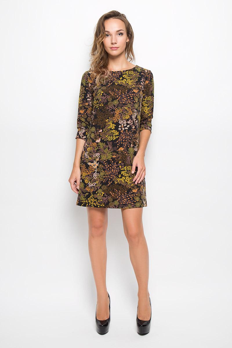 Платье Sela, цвет: черный, желтый. D-117/1027-6372. Размер M (46)D-117/1027-6372Элегантное платье Sela выполнено из высококачественного эластичного полиэстера. Такое платье обеспечит вам комфорт и удобство при носке и непременно вызовет восхищение у окружающих. Платье обладает высокой износостойкостью и отлично сидит по фигуре. Модель средней длины с рукавами 3/4 и круглым вырезом горловины выгодно подчеркнет все достоинства вашей фигуры. Платье застегивается на застежку-молнию на спинке. Изделие оформлено крупным цветочным принтом. Изысканное платье-миди создаст обворожительный и неповторимый образ.Это модное и комфортное платье станет превосходным дополнением к вашему гардеробу, оно подарит вам удобство и поможет подчеркнуть ваш вкус и неповторимый стиль.