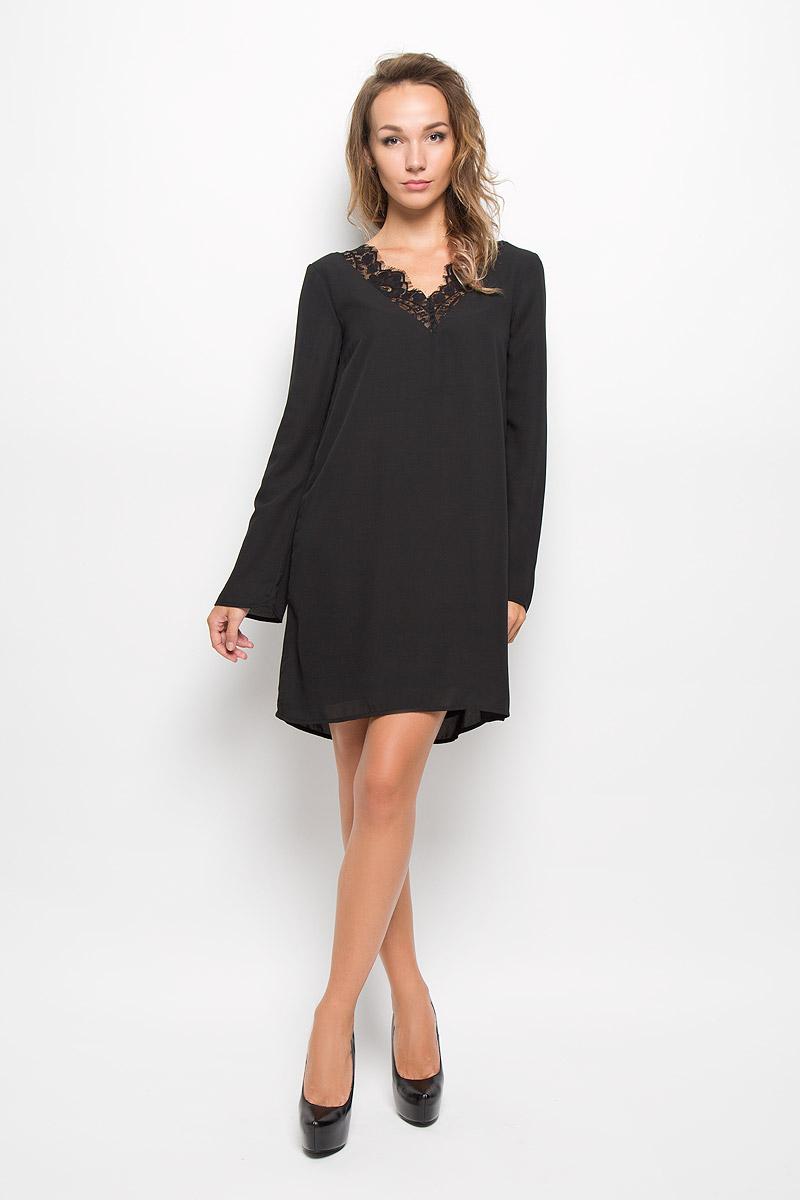 Платье Tom Tailor, цвет: черный. 5019485.00.75_2999. Размер 38 (44)5019485.00.75_2999Очаровательное платье Tom Tailor изготовлено из высококачественного материала. Такое платье обеспечит вам комфорт и удобство при носке.Модель с длинными рукавами и V-образным вырезом горловины. На спинке и горловине платье дополнено кружевными вставками.Это модное и удобное платье станет превосходным дополнением к вашему гардеробу, оно подарит вам удобство и поможет вам подчеркнуть свой вкус и неповторимый стиль.
