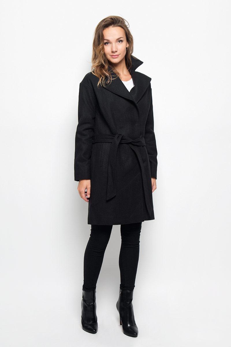 Пальто женское Sela, цвет: черный. Ce-126/679-6312. Размер S (44)Ce-126/679-6312Элегантное женское пальто Sela подчеркнет вашу индивидуальность. Пальто изготовлено из высококачественного материала с подкладкой из 100% полиэстера. Модель приталенного силуэта с воротником с лацканами застегивается на кнопки, а также к модели прилагается пояс. Спереди пальто дополнено двумя прорезными карманами.Подчеркните свой изысканный вкус этим превосходным пальто.