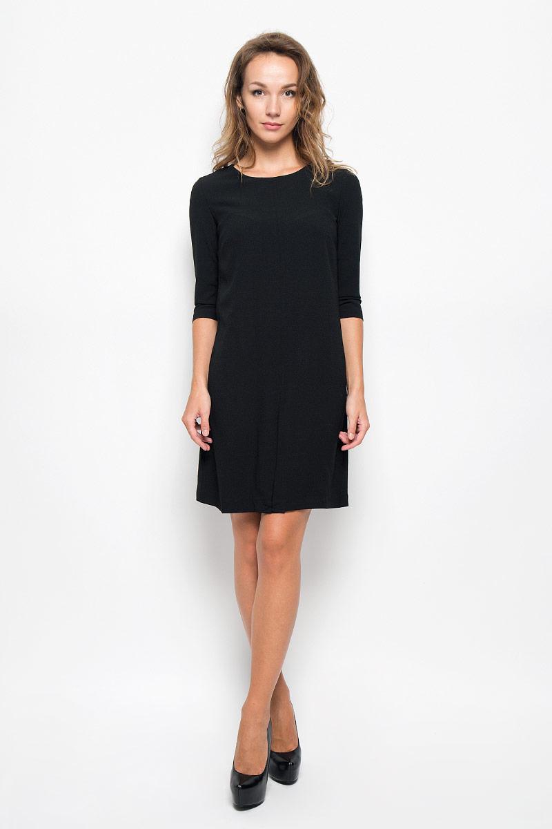 Платье Sela Casual, цвет: черный. D-117/1053-6342. Размер 48D-117/1053-6342Элегантное платье Sela Casual выполнено из высококачественного эластичного полиэстера с подкладкой из 100% полиэстера. Такое платье обеспечит вам комфорт и удобство при носке и непременно вызовет восхищение у окружающих.Модель средней длины с рукавами 3/4 и круглым вырезом горловины выгодно подчеркнет все достоинства вашей фигуры. Изделие застегивается на застежку-молнию на спинке. Изысканное платье создаст обворожительный и неповторимый образ.Это модное и комфортное платье станет превосходным дополнением к вашему гардеробу, оно подарит вам удобство и поможет подчеркнуть ваш вкус и неповторимый стиль.