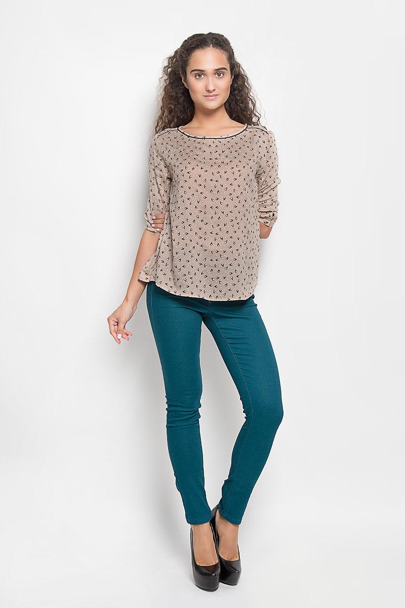 Блузка женская Sela, цвет: бежевый. Tw-112/1078-6372. Размер XS (42)Tw-112/1078-6372Стильная женская блуза Sela, выполненная из 100% вискозы, подчеркнет ваш уникальный стиль и поможет создать оригинальный женственный образ.Блузка с удлиненной спинкой, рукавами 3/4 и круглым вырезом горловины застегивается на пуговицу сзади, манжеты рукавов также застегиваются на пуговицы. Блузка оформлена оригинальным орнаментом. Такая блузка идеально подойдет для жарких летних дней. Эта блузка будет дарить вам комфорт в течение всего дня и послужит замечательным дополнением к вашему гардеробу.