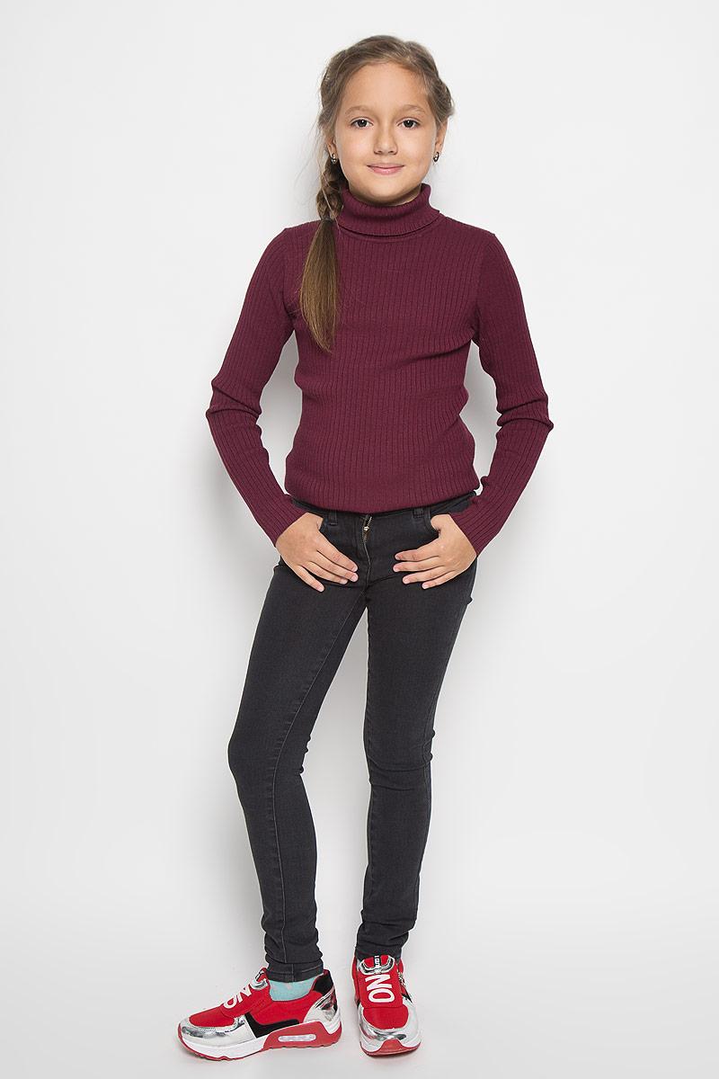Джинсы для девочки Tom Tailor, цвет: черный. 6204643.09.40. Размер 1406204643.09.40Стильные джинсы для девочки Tom Tailor идеально подойдут вашей маленькой принцессе для отдыха и прогулок. Изготовленные из хлопка с добавлением полиэстера и эластана, они необычайно мягкие и приятные на ощупь, не сковывают движения малышки и позволяют коже дышать, не раздражают даже самую нежную и чувствительную кожу ребенка, обеспечивая ему наибольший комфорт. Джинсы-дудочки на талии застегиваются на металлическую пуговицу, также имеются шлевки для ремня и ширинка на металлической застежке-молнии. С внутренней стороны пояс регулируется резинкой на пуговицах. Модель спереди дополнена двумя карманами, а сзади - двумя оригинальными накладными карманами. Оригинальный современный дизайн и модная расцветка делают эти джинсы модным и стильным предметом детского гардероба. В них ваша маленькая модница всегда будет в центре внимания!