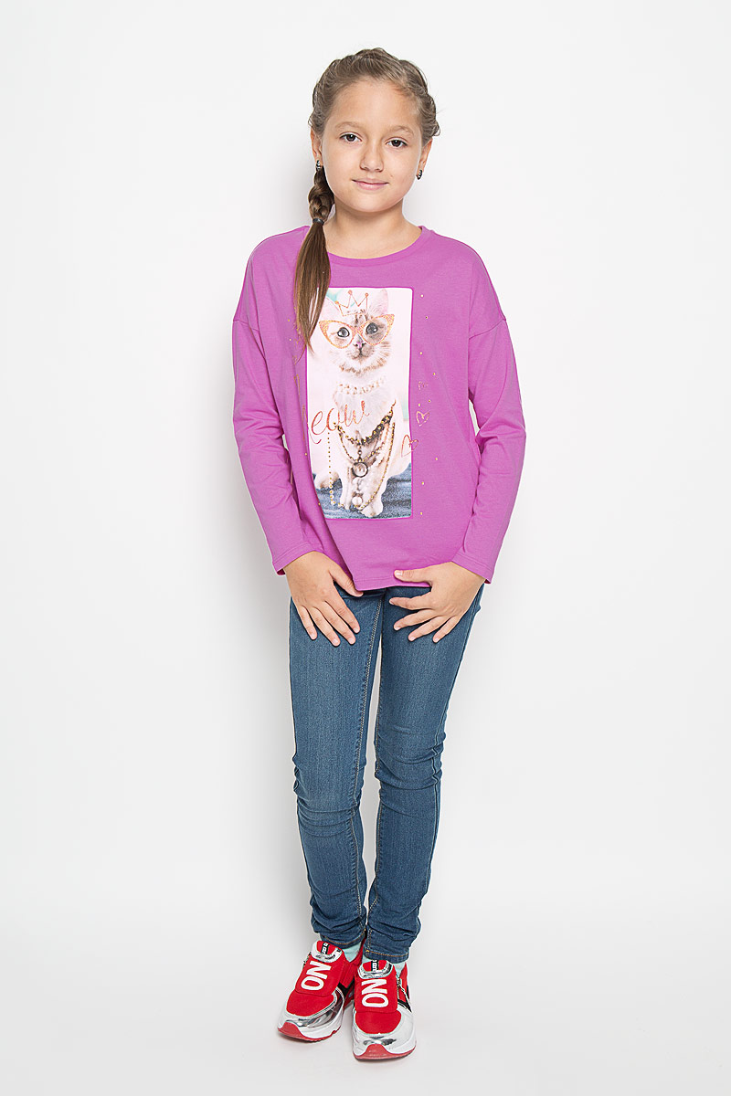 Лонгслив для девочки Sela, цвет: сиренево-розовый. T-611/165-6352. Размер 140, 10 летT-611/165-6352Прелестный лонгслив Sela, изготовленный из натурального хлопка, станет отличным дополнением к гардеробу вашей девочки. Материал изделия приятный на ощупь, не сковывает движений и позволяет коже дышать.Модель с круглым вырезом горловины и длинными рукавами оформлена спереди крупным принтом с изображением кошки и декорирована стразами. Вырез горловины дополнен трикотажной резинкой. Современный дизайн и расцветка делают этот лонгслив стильным предметом детской гардероба. В нем ваша девочка будет чувствовать себя уютно и комфортно, и всегда будет в центре внимания!