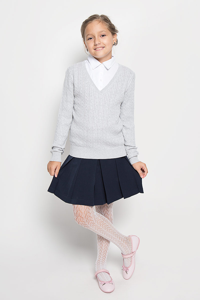 Джемпер для девочки Sela, цвет: светло-серый меланж. JR-614/876-6311. Размер 128, 8 летJR-614/876-6311Стильный трикотажный джемпер для девочки Sela идеально подойдет для школы и повседневной носки. Изготовленный из высококачественного комбинированного материала, он необычайно мягкий и приятный на ощупь, не сковывает движения ребенка и позволяет коже дышать, не раздражает даже самую нежную и чувствительную кожу ребенка, обеспечивая наибольший комфорт. Джемпер с длинными рукавами и отложным воротником сверху застегивается на четыре пластиковые пуговицы. Манжеты, планка и низ модели связаны резинкой. Верхняя часть модели выполнена в виде ворота рубашки за счет чего создается эффект два в одном. Модель оформлена оригинальным узором. Этот удобный и модный джемпер, несомненно, впишется в гардероб вашей дочурки, в нем она будет чувствовать себя уютно и комфортно.