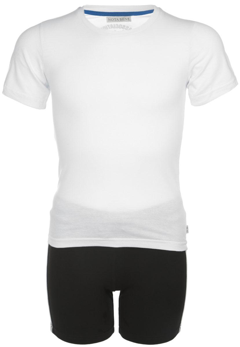 Комплект для мальчика Nota Bene: футболка, шорты, цвет: белый, черный. CJR160001B-1. Размер 158CJR160001A-1/CJR160001B-1Комплект для мальчика Nota Bene, состоящий из футболки и шорт, идеально подойдет вашемумалышу для летнего отдыха и прогулок. Изготовленный из эластичного хлопка, он мягкий иприятный на ощупь, не сковывает движения и позволяет коже дышать, не раздражает дажесамую нежную и чувствительную кожу ребенка, обеспечивая ему наибольший комфорт. Футболка с круглым вырезом горловины и короткими рукавами. На спинке модель оформленанадписями на английском языке. Горловина дополнена мягкой трикотажной резинкой. Шорты на талии имеют широкую эластичную резинку, регулируемую шнурком. Оригинальный дизайн и модная расцветка делают этот комплект незаменимым предметомдетского гардероба. В нем вашему малышу будет комфортно и уютно, и он всегда будет в центревнимания!