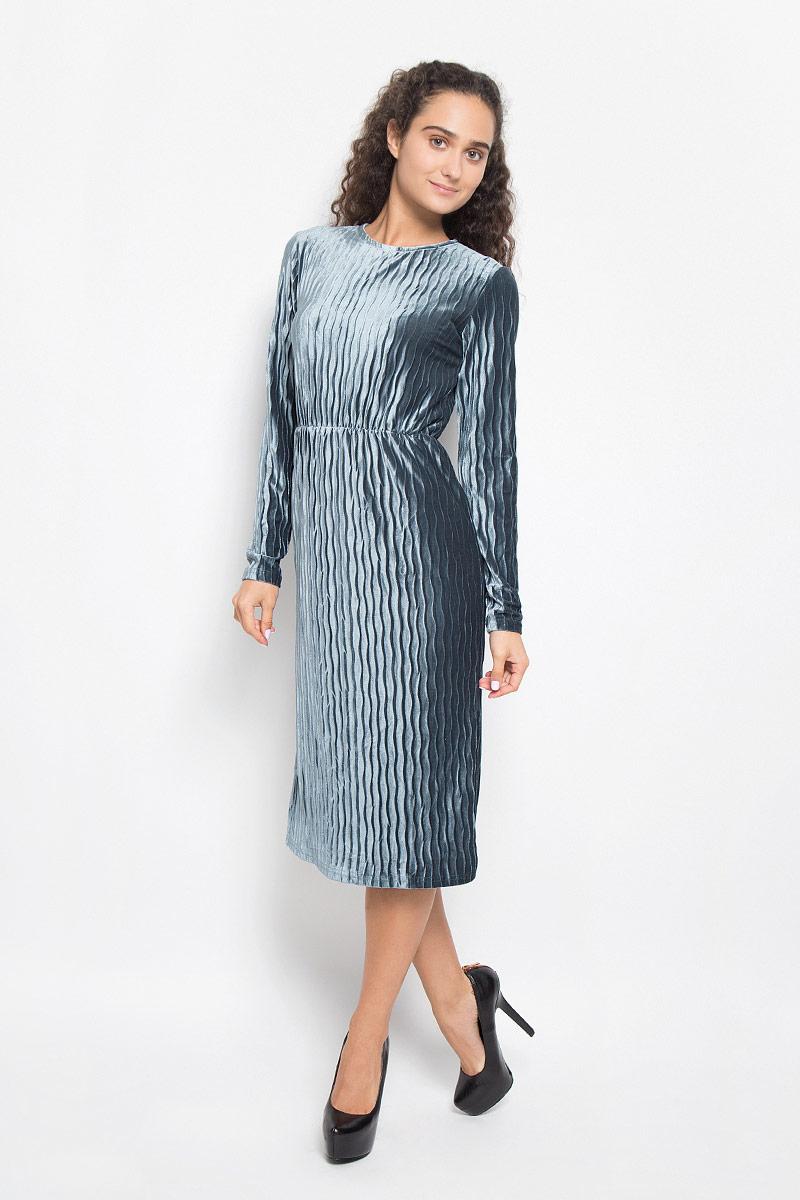 Платье Glamorous, цвет: серо-синий. CK3298_Navy. Размер S (44)CK3298_NavyМодное платье Glamorous выполнено из полиэстера с оригинальной фактурой.Платье-миди с круглым вырезом горловины и длинными рукавами на талии дополнено эластичной резинкой. Нижняя часть модели по боковым швам дополнена разрезами. Застегивается изделие на скрытую застежку-молнию, расположенную на спинке. Такое платье станет стильным дополнением к вашему гардеробу. Оно подчеркнет вашу индивидуальность и утонченность.