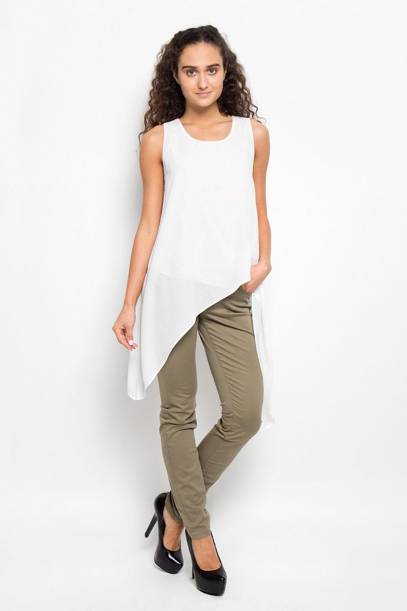 Блузка женская Glamorous, цвет: молочный. KA5286. Размер L (48)KA5286_WhiteОчаровательная женская блуза Glamorous, выполненная из струящегося материала, подчеркнет ваш уникальный стиль и поможет создать оригинальный женственный образ.Блузка оригинального кроя с круглым вырезом горловины застегивается на пуговицу, расположенную на спинке.Такая блузка послужит замечательным дополнением к вашему гардеробу.