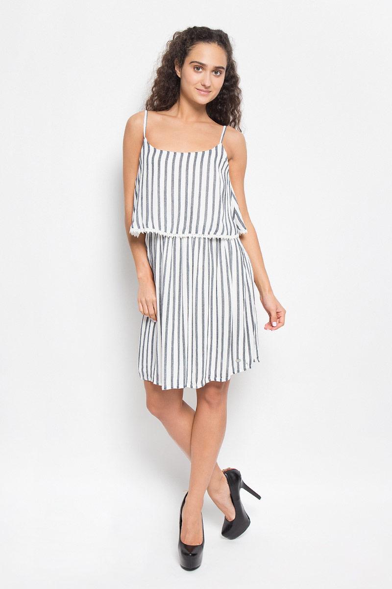 Платье Tom Tailor Denim, цвет: белый, темно-серый. 5019222.00.71_6724. Размер XS (42)5019222.00.71_6724Стильное платье Tom Tailor Denim подчеркнет ваш уникальный стиль и поможет создать оригинальный женственный образ. Модель, изготовленная из вискозы, тактильно приятная и позволяет коже дышать.Платье-мини на бретельках и с круглым вырезом горловины оформлено принтом в полоску. Подкладка выполнена из вискозы. Верхняя часть модели оснащена несъемным топом, края которого оформлены кружевом. На талии модель дополнена эластичной резинкой.Такое платье станет стильным дополнением к вашему гардеробу.