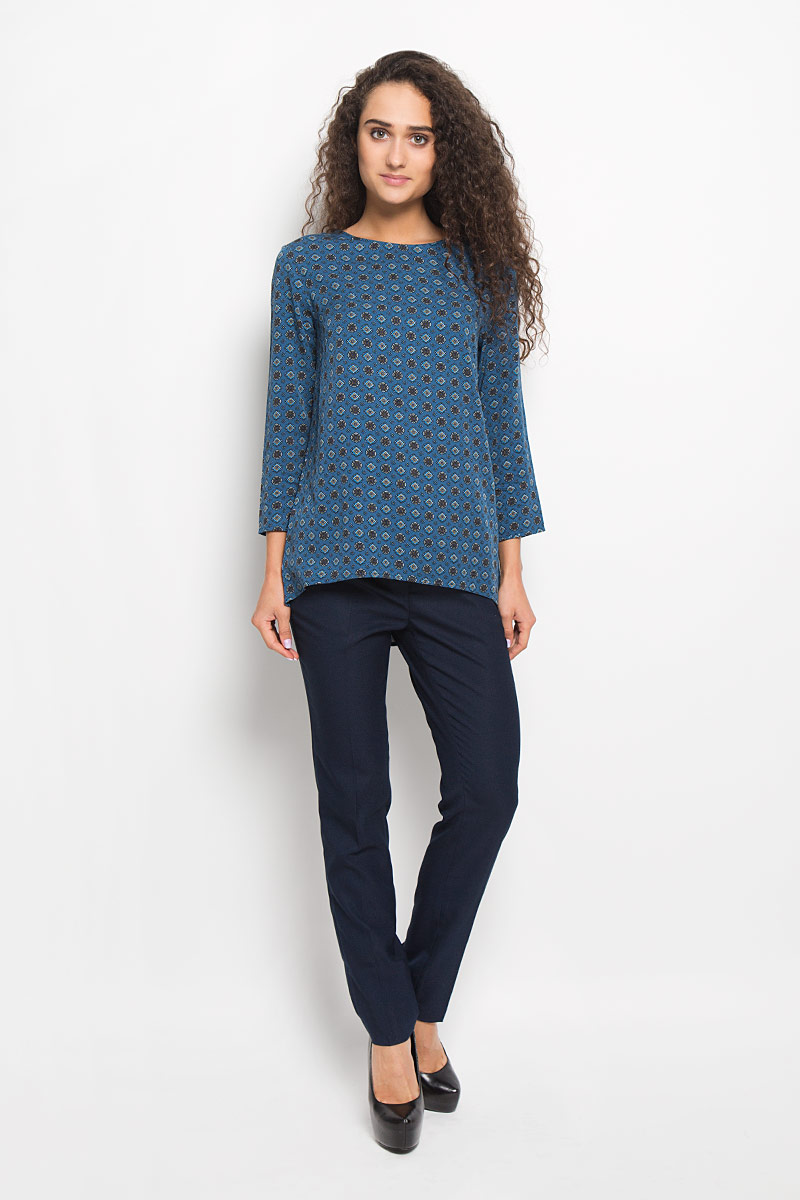 Блузка женская Baon, цвет: синий. B176504. Размер M (46)B176504_NIGHT COAST PRINTEDСтильная женская блуза Baon, выполненная из вискозы, подчеркнет ваш уникальный стиль и поможет создать оригинальный женственный образ.Модная блузка свободного кроя с круглым вырезом горловины и рукавами 3/4 застегивается сзади на металлическую застежку-молнию. Спинка модели немного удлинена. Модель оформлена оригинальным принтом.Такая блузка будет дарить вам комфорт в течение всего дня и послужит замечательным дополнением к вашему гардеробу.