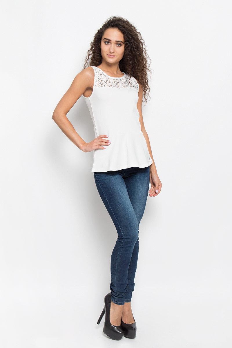 Блузка женская Tom Tailor Denim, цвет: молочный. 1035527.00.71_8005. Размер S (44)1035527.00.71_8005Очаровательная женская блузка Tom Tailor Denim, выполненная из качественного материала, подчеркнет ваш уникальный стиль и поможет создать оригинальный женственный образ.Модная блузка дополнена баской. Верх модели оформлен кружевным гипюром.Такая блузка будет дарить вам комфорт в течение всего дня и послужит замечательным дополнением к вашему гардеробу.