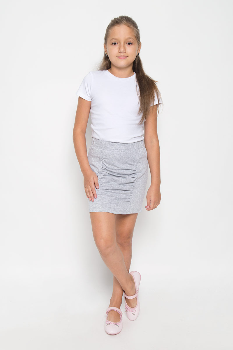 Юбка для девочки Scool, цвет: серый меланж. 264019. Размер 158, 13 лет264019Эффектная юбка для девочки Nota Bene идеально подойдет вашей моднице и станет отличным дополнением к ее гардеробу. Изготовленная из эластичного хлопка, она мягкая и приятная на ощупь, не сковывает движения и позволяет коже дышать, не раздражает нежную кожу ребенка, обеспечивая наибольший комфорт. Модель на поясе имеет широкую эластичную резинку, благодаря чему юбка не сползает и не сдавливает животик ребенка. Юбка-мини украшена вставкой с драпировкой спереди.В такой модной юбке ваша принцесса будет чувствовать себя комфортно, уютно и всегда будет в центре внимания!
