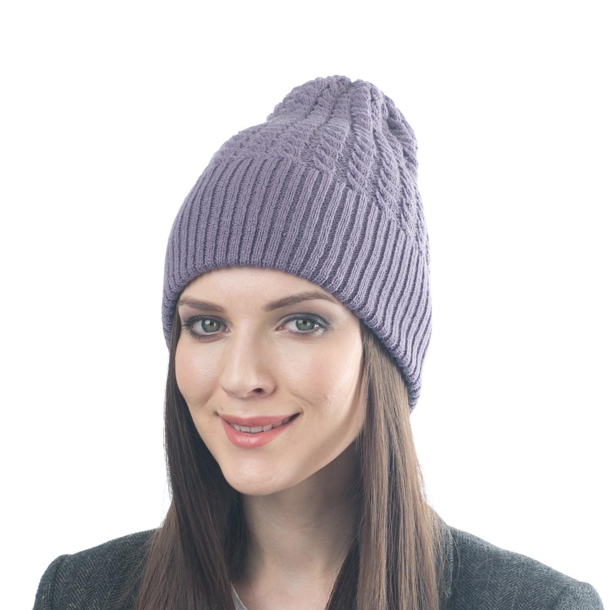 Шапка женская Flioraj, цвет: светло-фиолетовый. 07FJ. Размер 56/5807FJСтильная двусторонняя шапка Flioraj выполнена из шерсти с добавлением вискозы и полиамида. Модель имеет крупную плотную вязку и оформлена оригинальным вязаным рисунком. Уважаемые клиенты!Размер, доступный для заказа, является обхватом головы.