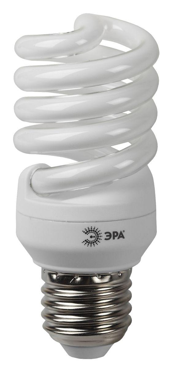 Лампа энергосберегающая ЭРА, мягкий белый свет, цоколь E27, 15 W5055398637845Энергосберегающая лампа ЭРА  - традиционная энергосберегающая лампа, экономит до 80% электроэнергии и на 20% сокращает коммунальные платежи. Срок службы до 12000 часов.Сопоставимые размеры с обычной лампой накаливания.Адаптивная система зажигания обеспечивает мгновенное включение и плавный разогрев лампы за 1 мин. Надежное зажигание и стабильная светоотдача при температуре от -25°С до +50°С.Не нагревается до высоких температур и может использоваться в любых светильниках. Высокий коэффициент цветопередачи, Ra>82. Отсутствие искажения цвета освещаемых объектов.Повышенная светоотдача. Используется качественный люминофор. Технология superbright.