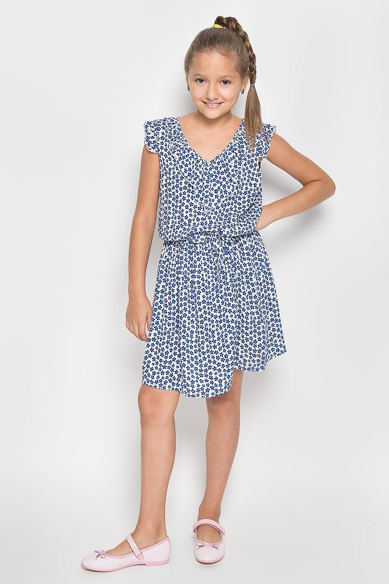 Платье для девочки Finn Flare Kids, цвет: белый. KS16-71012J. Размер 134, 8-9 летKS16-71012JЛегкое и красивое платье для девочки Finn Flare Kids станет отличным дополнением к гардеробу маленькой модницы. Изготовленное из высококачественной вискозы, оно мягкое и приятное на ощупь, не сковывает движения и хорошо пропускает воздух. Платье с V-образным вырезом горловины дополнено стильным струящимся кантиком. На модели завязывается пояс, а на талии платье удерживается с помощью вшитой резинки. Изделие оформлено ярким цветочным принтом.В таком платье маленькая принцесса всегда будет в центре внимания!
