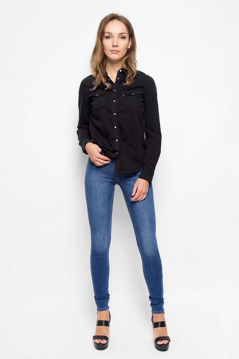 Джинсы женские Levis® 710, цвет: синий. 1778000150. Размер 26-32 (40/42-32)1778000150Стильные женские джинсы Levis® - это джинсы высочайшего качества, которые прекрасно сидят. Они выполнены из высококачественного эластичного хлопка с добавлением эластомультиэстера, что обеспечивает комфорт и удобство при носке. Модные джинсы скинни средней посадки станут отличным дополнением к вашему современному образу. Джинсы застегиваются на пуговицу в поясе и ширинку на застежке-молнии, имеют шлевки для ремня. Джинсы имеют классический пятикарманный крой: спереди модель оформлена двумя втачными карманами и одним маленьким накладным кармашком, а сзади - двумя накладными карманами.Эти модные и в то же время комфортные джинсы послужат отличным дополнением к вашему гардеробу.