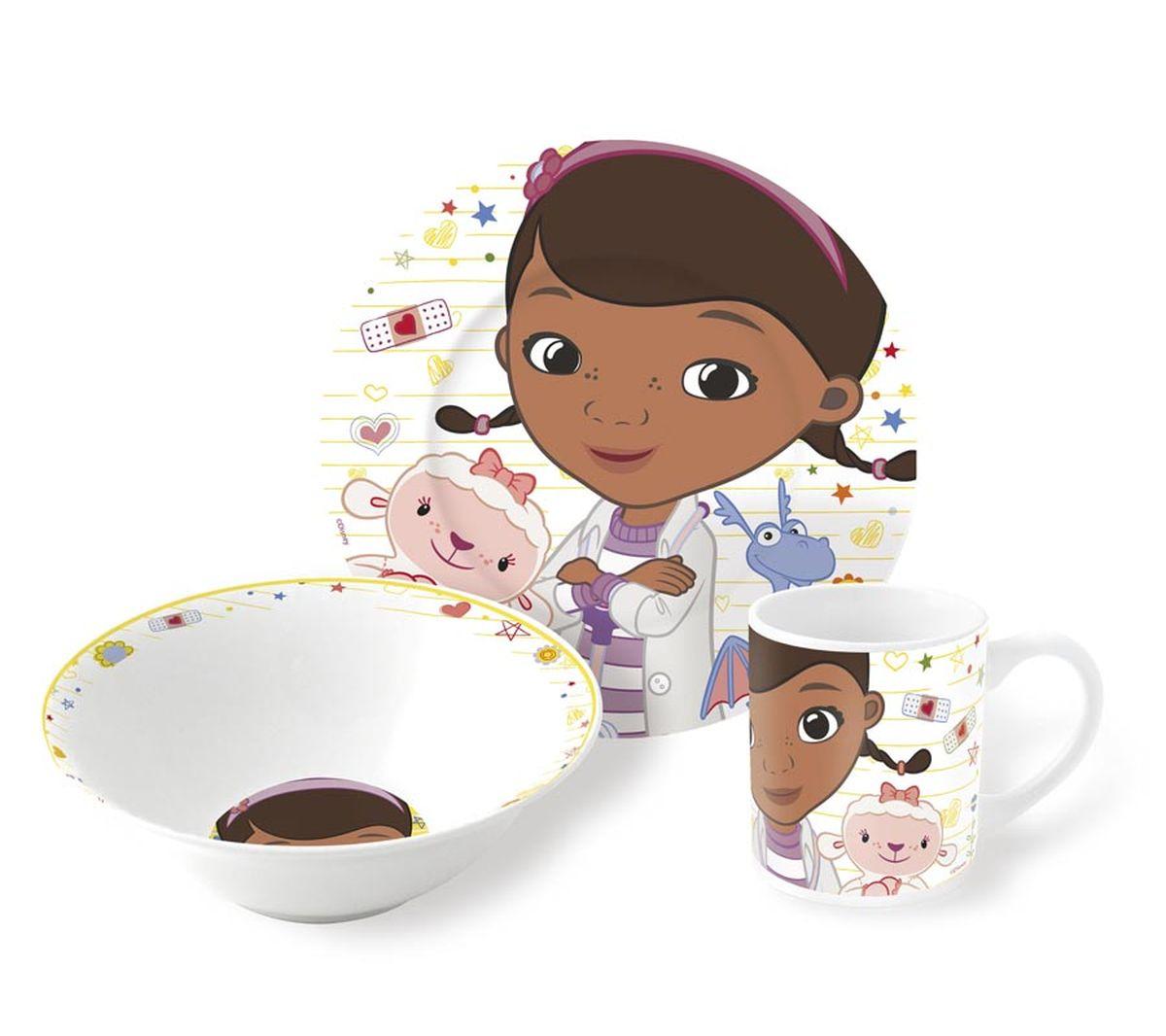 Disney Набор детской посуды Доктор Плюшева 3 предмета78665Набор детской посуды Disney Доктор Плюшева состоит из трех предметов: тарелки, миски и кружки. Изделия выполнены из керамики и оформлены изображениями любимой героини.В наборе есть все необходимое для завтраков, обедов и ужинов. Миска идеальна для супа или каши, а тарелка подойдет абсолютно для любых блюд: горячего или десерта. Яркий красочный дизайн привлечет внимание ребенка и сделает прием пищи веселым занятием. Идеальный по составу набор для всех блюд детям дошкольного возраста.